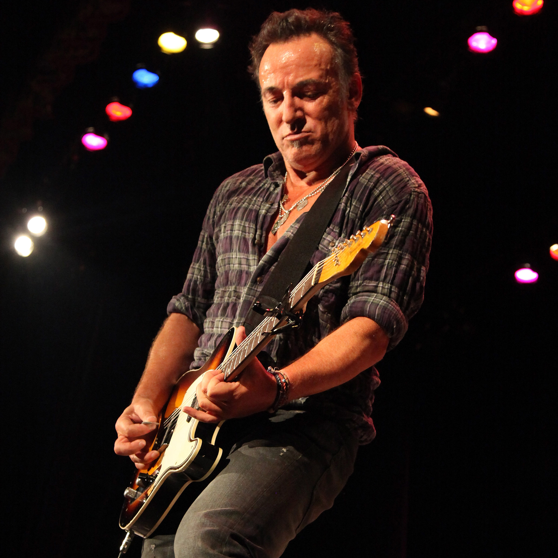 Bruce Springsteen 100 Greatest Songs Of All Time Rolling Stone Tips For Buying An Electric Guitar Guitars 101 Your Bible Death To My Hometown