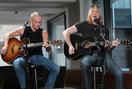 Rolling Stone Live: Def Leppard Strip Down For Acoustic