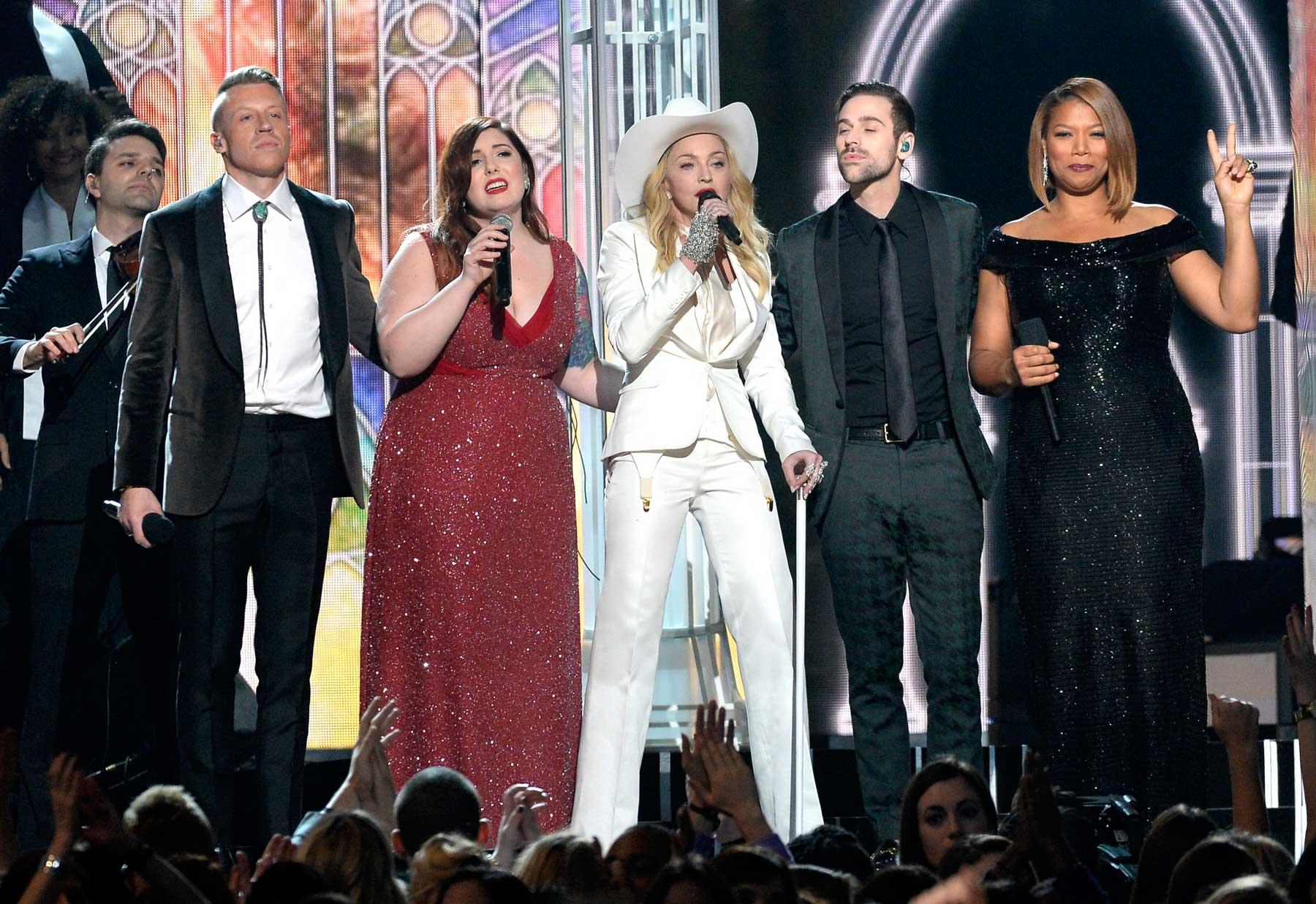 Macklemore, Queen Latifah Turn 'Same Love' Into Mass Grammy Wedding