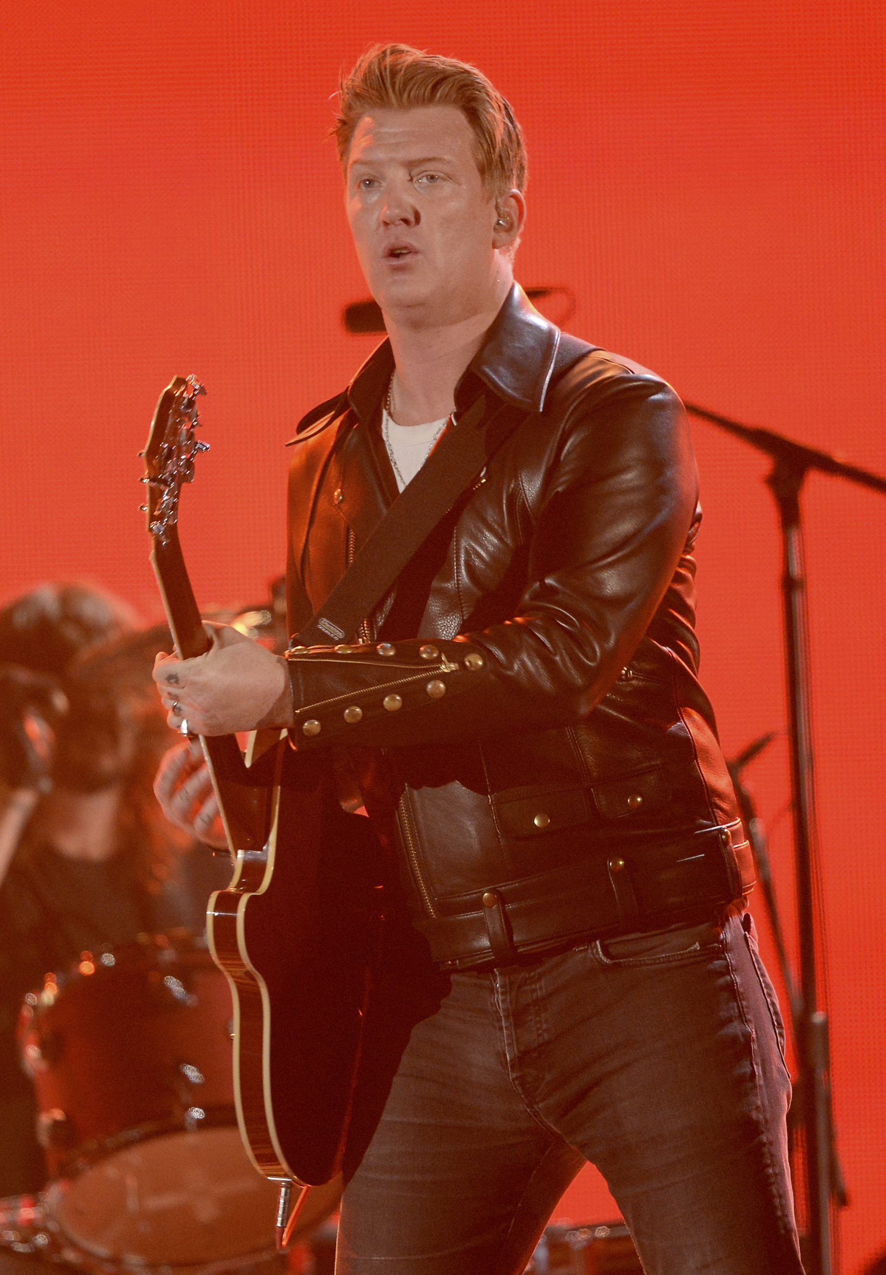 Queens of the Stone Age Thrash Grammys With Dave Grohl, Trent Reznor