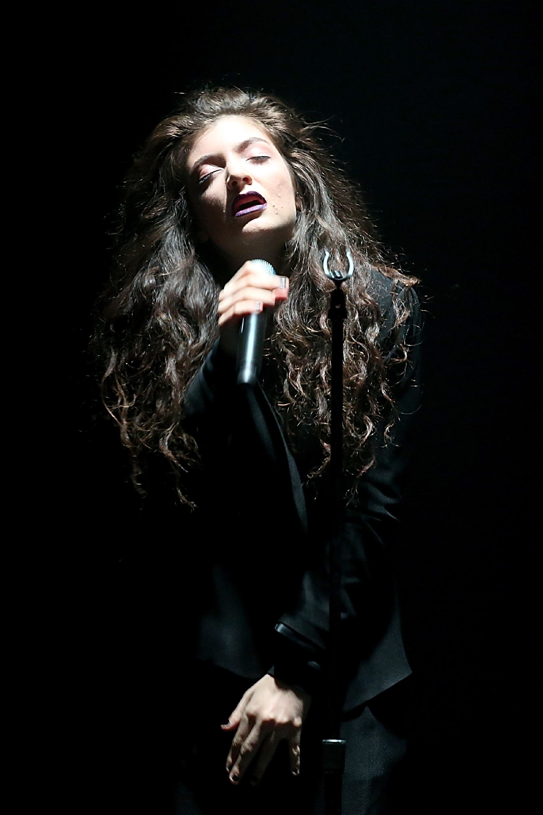 Lorde Enchants Austin on Opening Night of First Full U.S. Tour