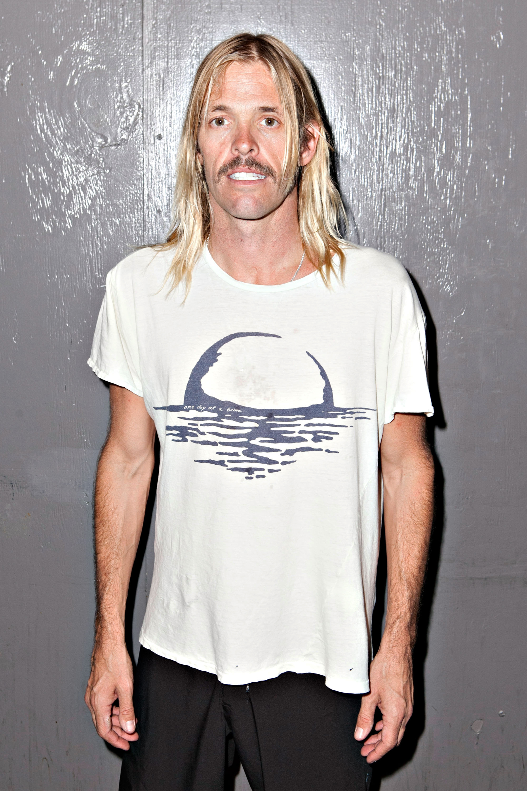 Taylor Hawkins Forms New Group The Birds of Satan