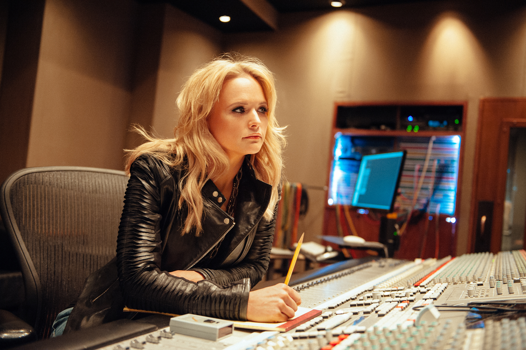 Miranda Lambert Gets Personal on 'Platinum'