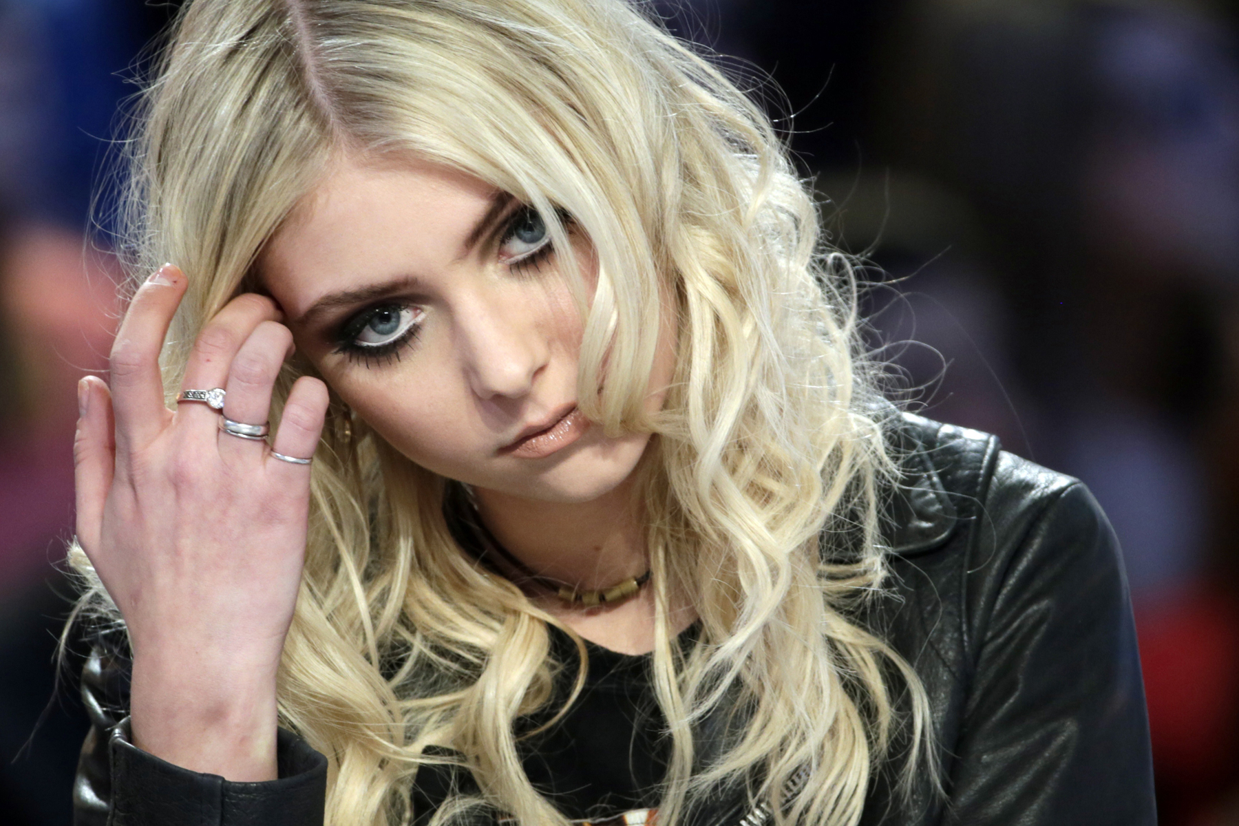Taylor Momsen Discusses Her Naked Album Cover