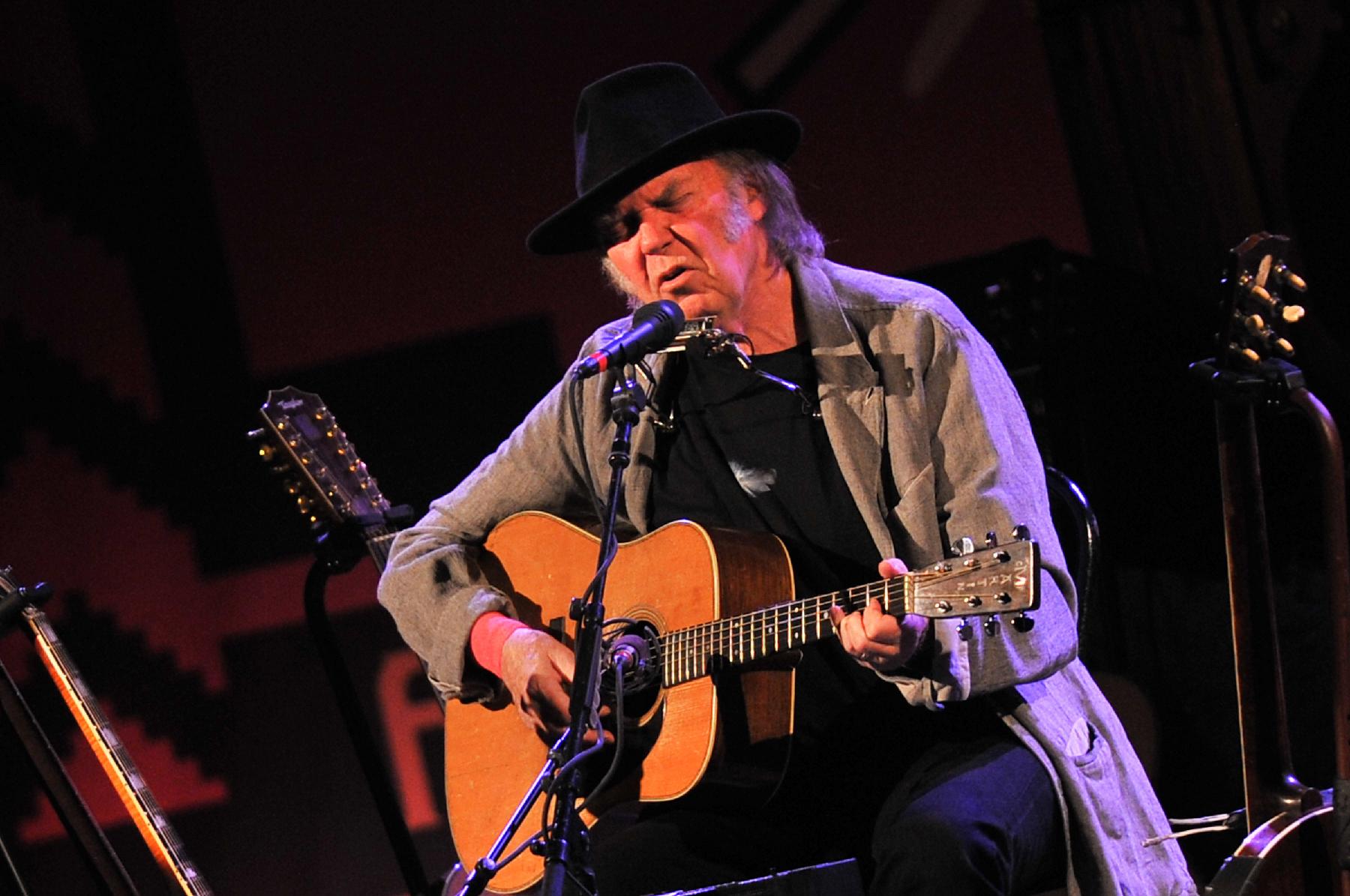 Neil Young's Pono Kickstarter Raises Over $6 Million