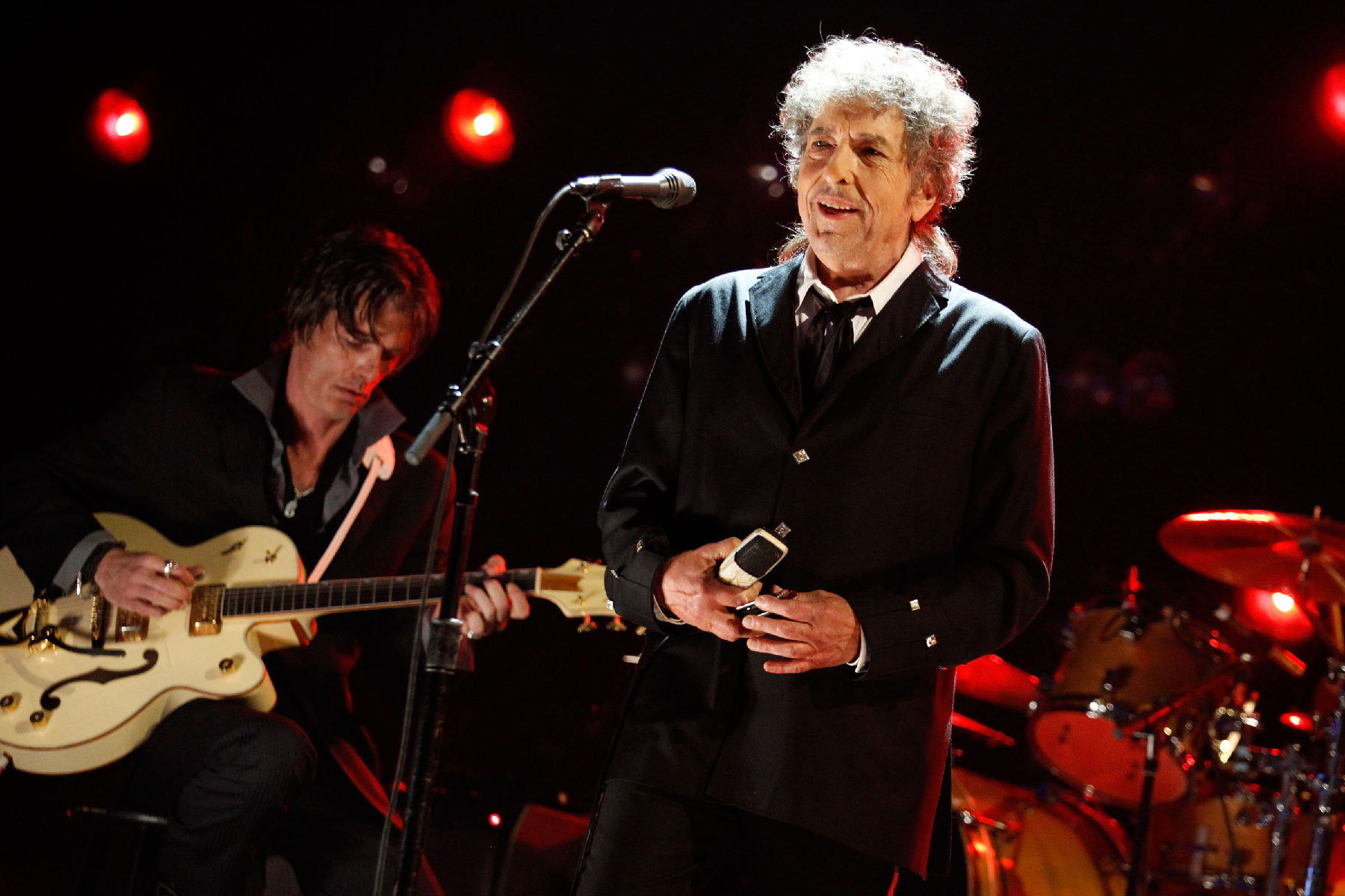 Bob Dylan Releases Frank Sinatra Cover, Plans New Album