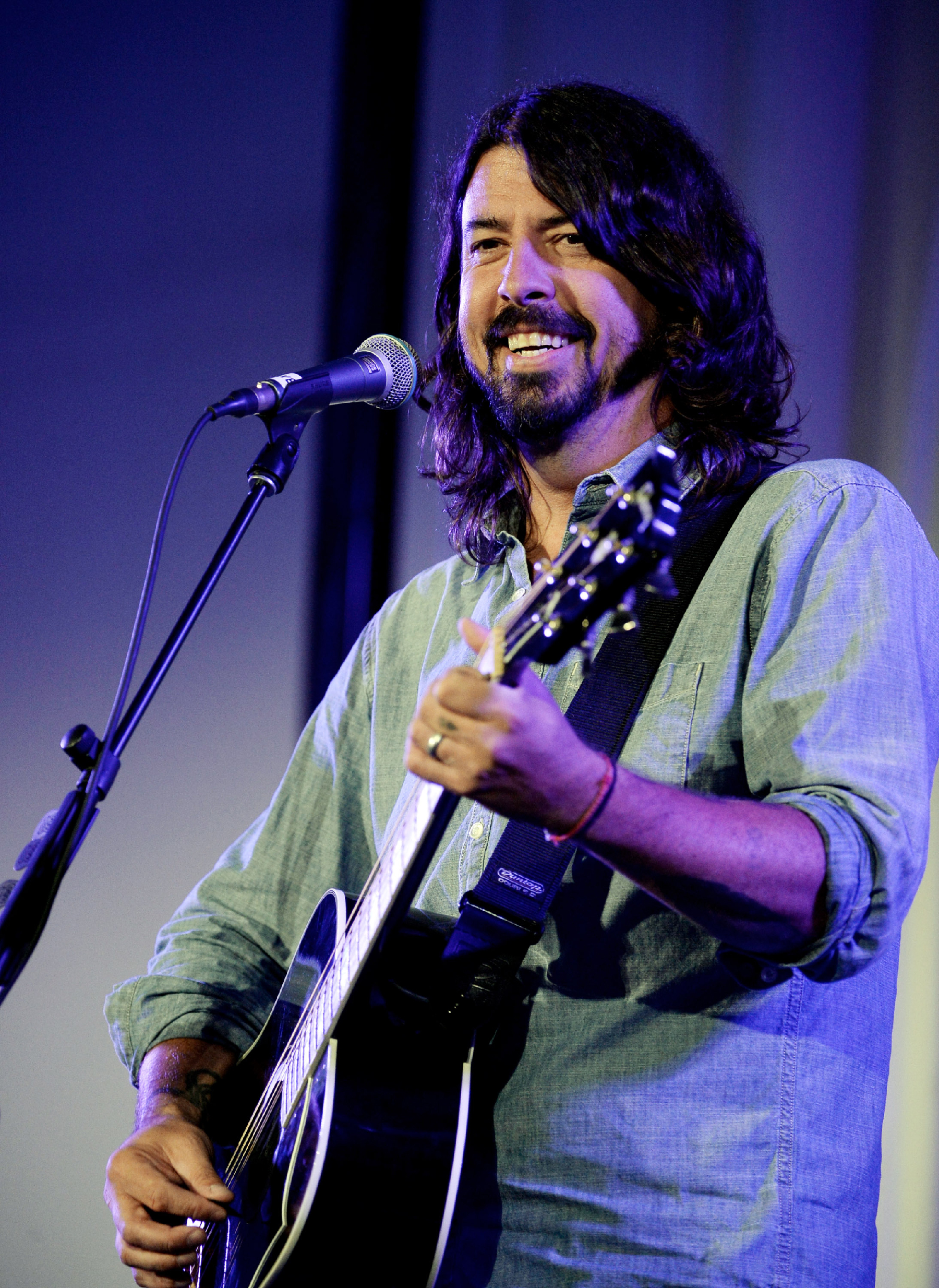 Dave Grohl Confirms New Foo Fighters Album, Details HBO Doc Series