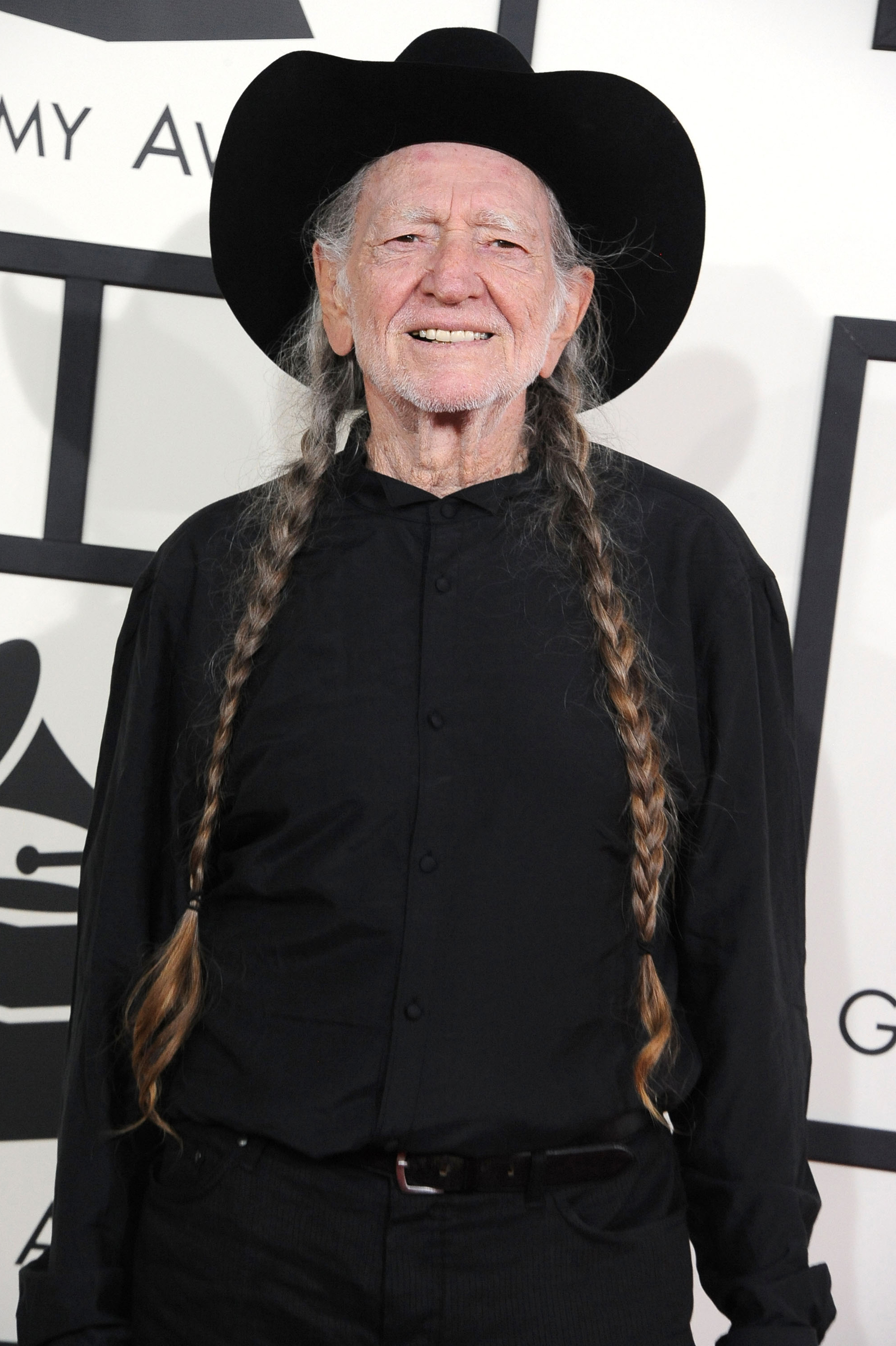 Willie Nelson Tour Bus Auction Winners to Put Bus on the Road Again