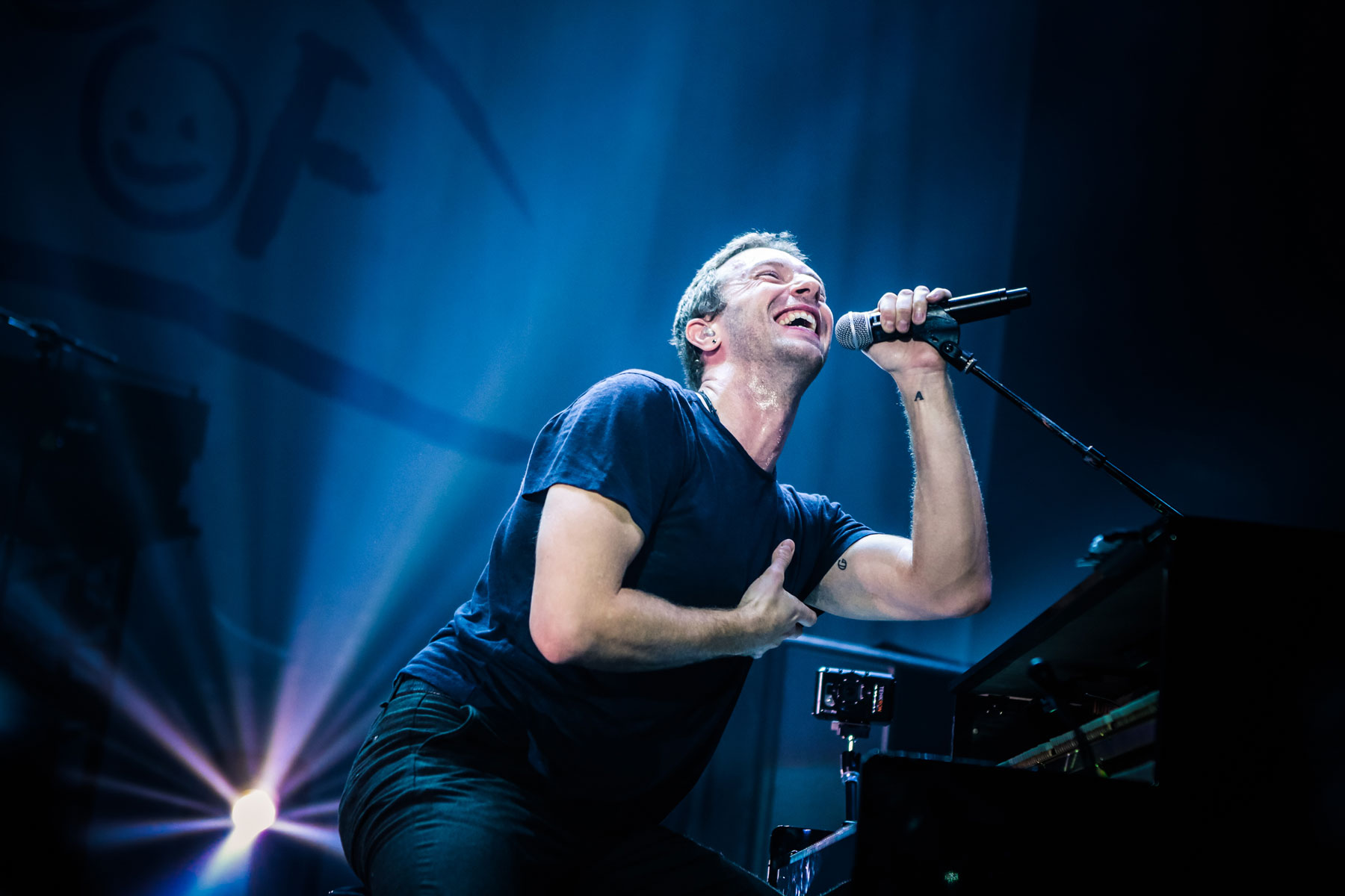 On the Charts: Coldplay Shun Spotify for Number One Debut