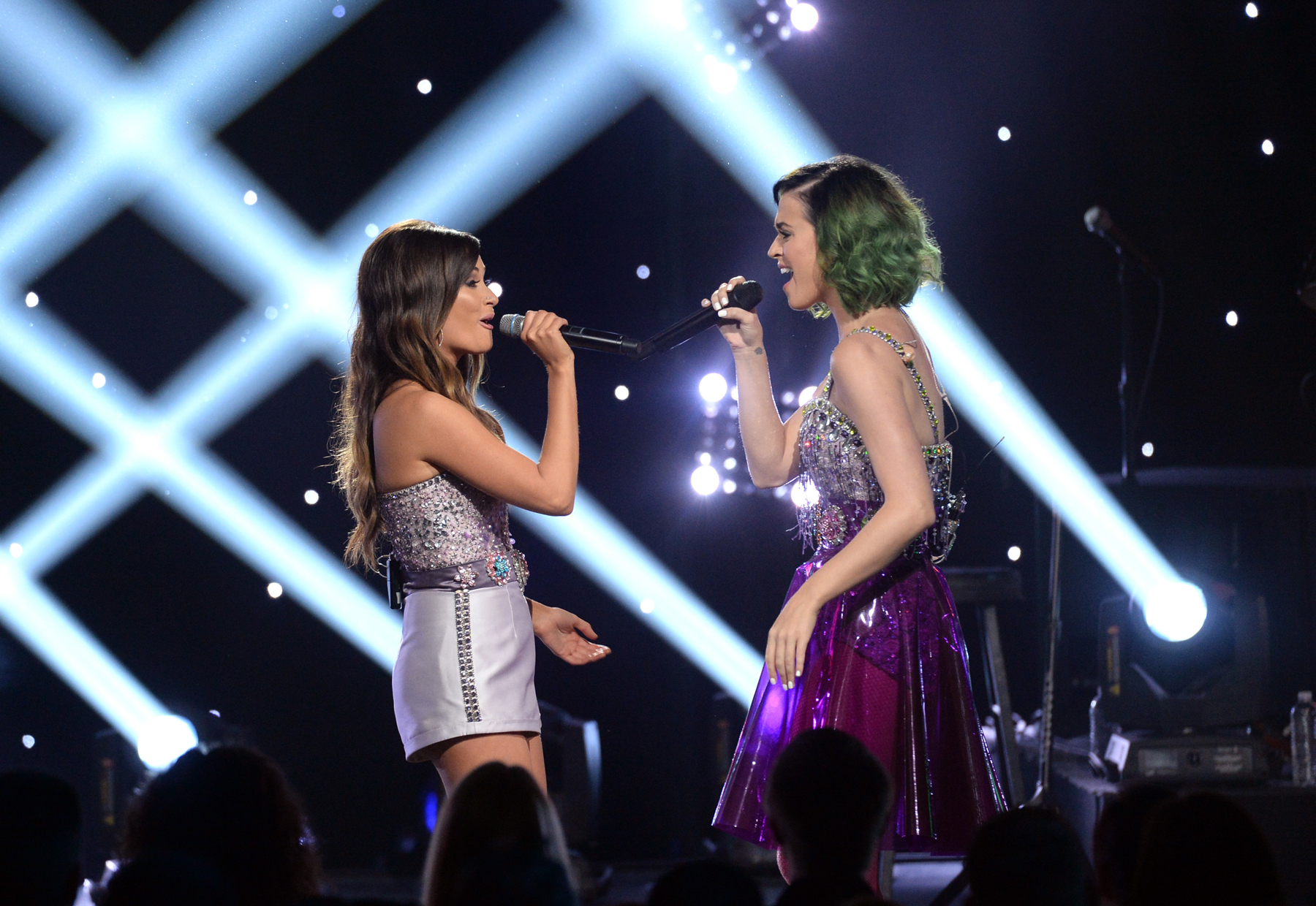 Kacey Musgraves and Katy Perry Meet at 'Crossroads'