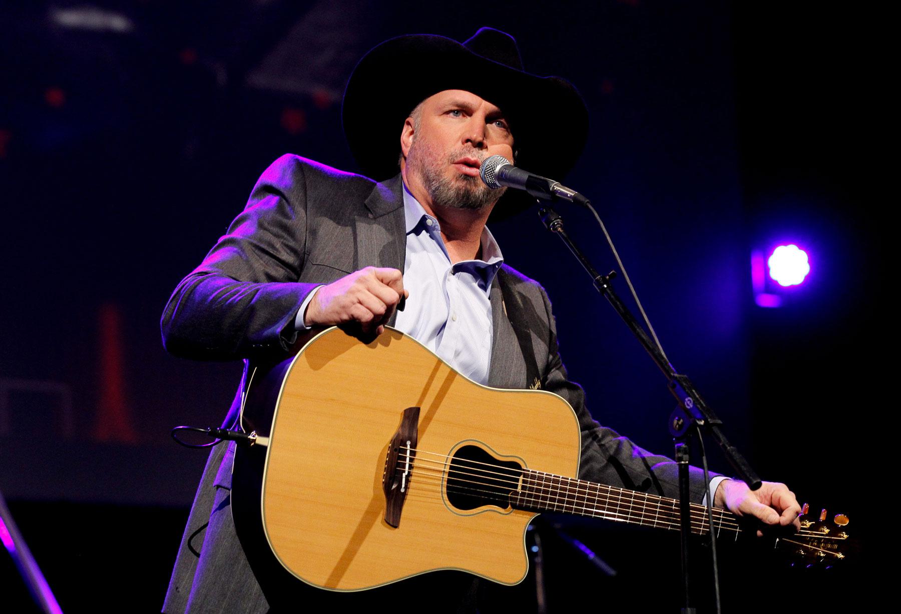 Garth Brooks' Big Comeback Tour Still Keeping Us Guessing