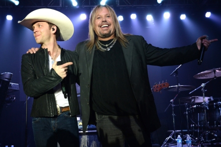 ba4800250 Justin Moore Goes 'Home Sweet Home' With Motley Crue – Video ...