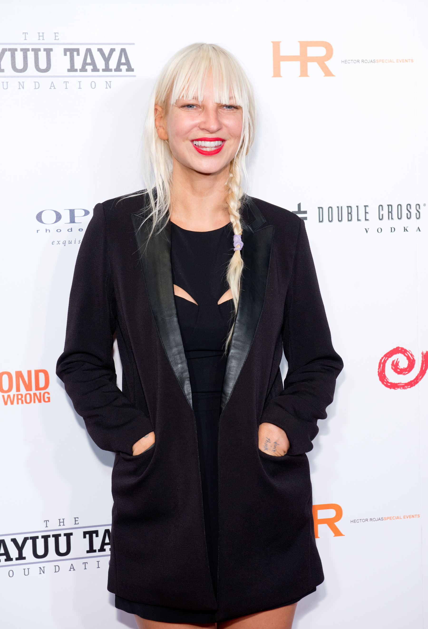 Sia Scores First Number One Album as 'Frozen' Sees