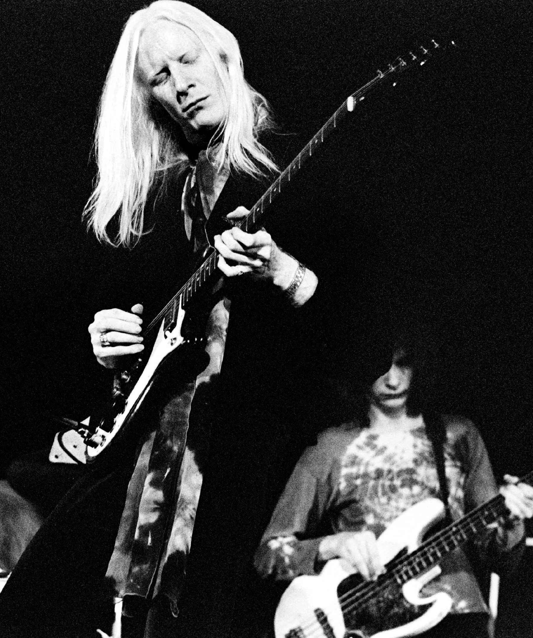 The Lion in Johnny Winter: A Tribute to the Guitar Icon