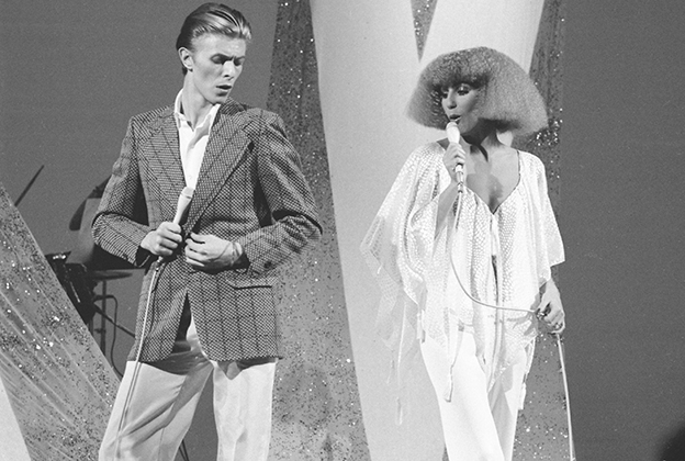 flashback david bowie and cher duet on young americans rolling
