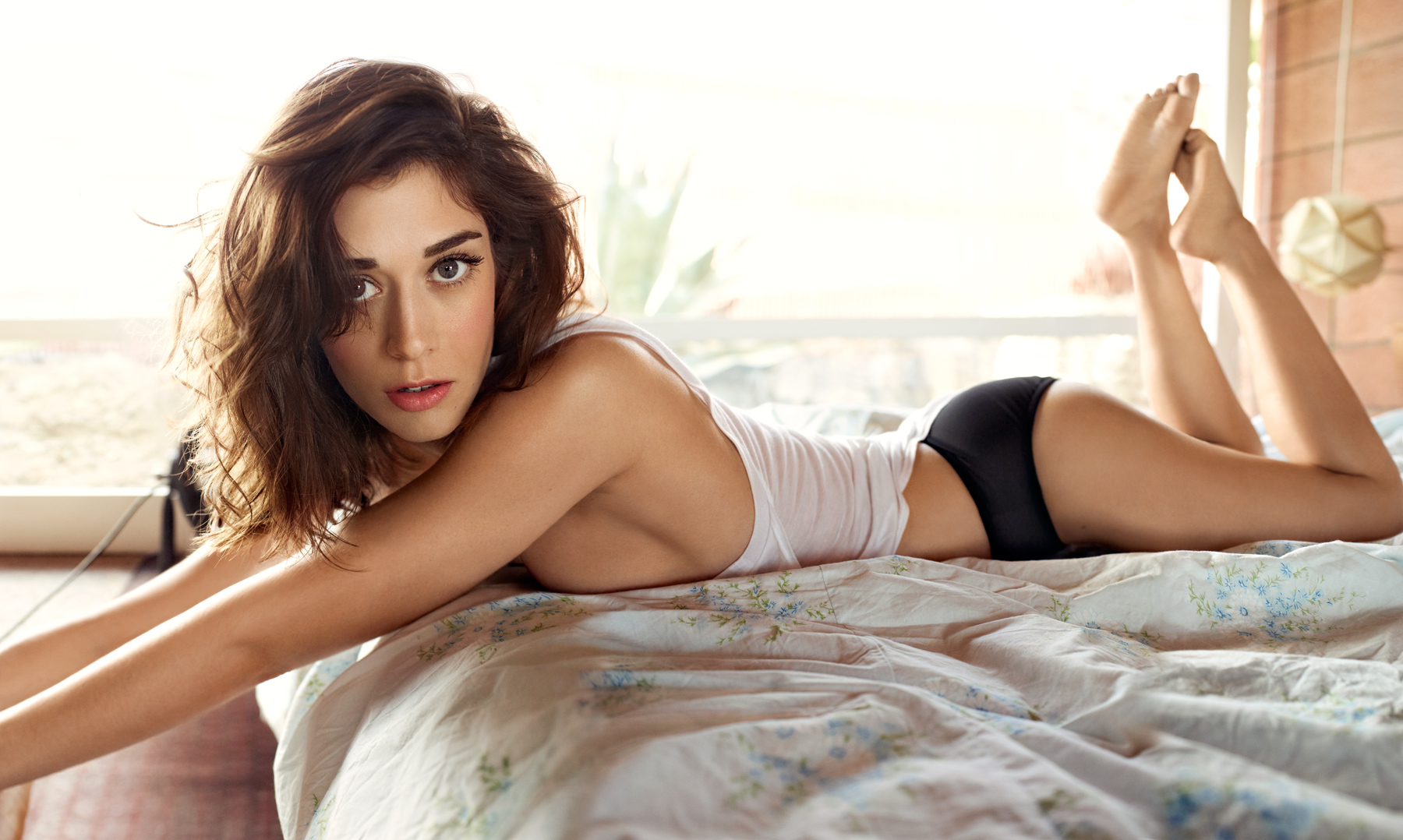 The Liberation Of Lizzy Caplan Rolling Stone