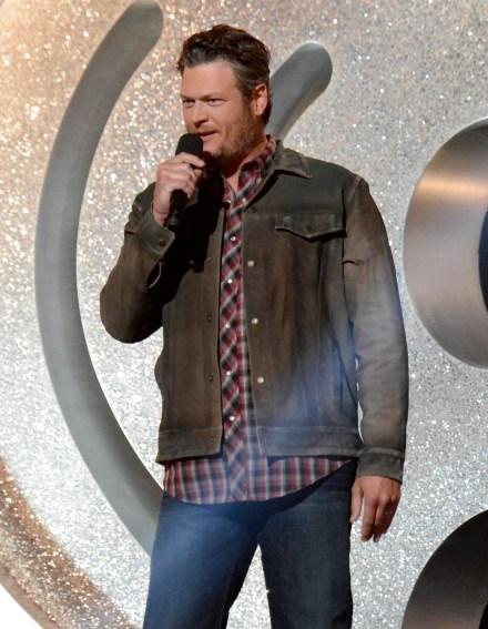 Blake Shelton Revisits Old Ways for 'Bringing Back the