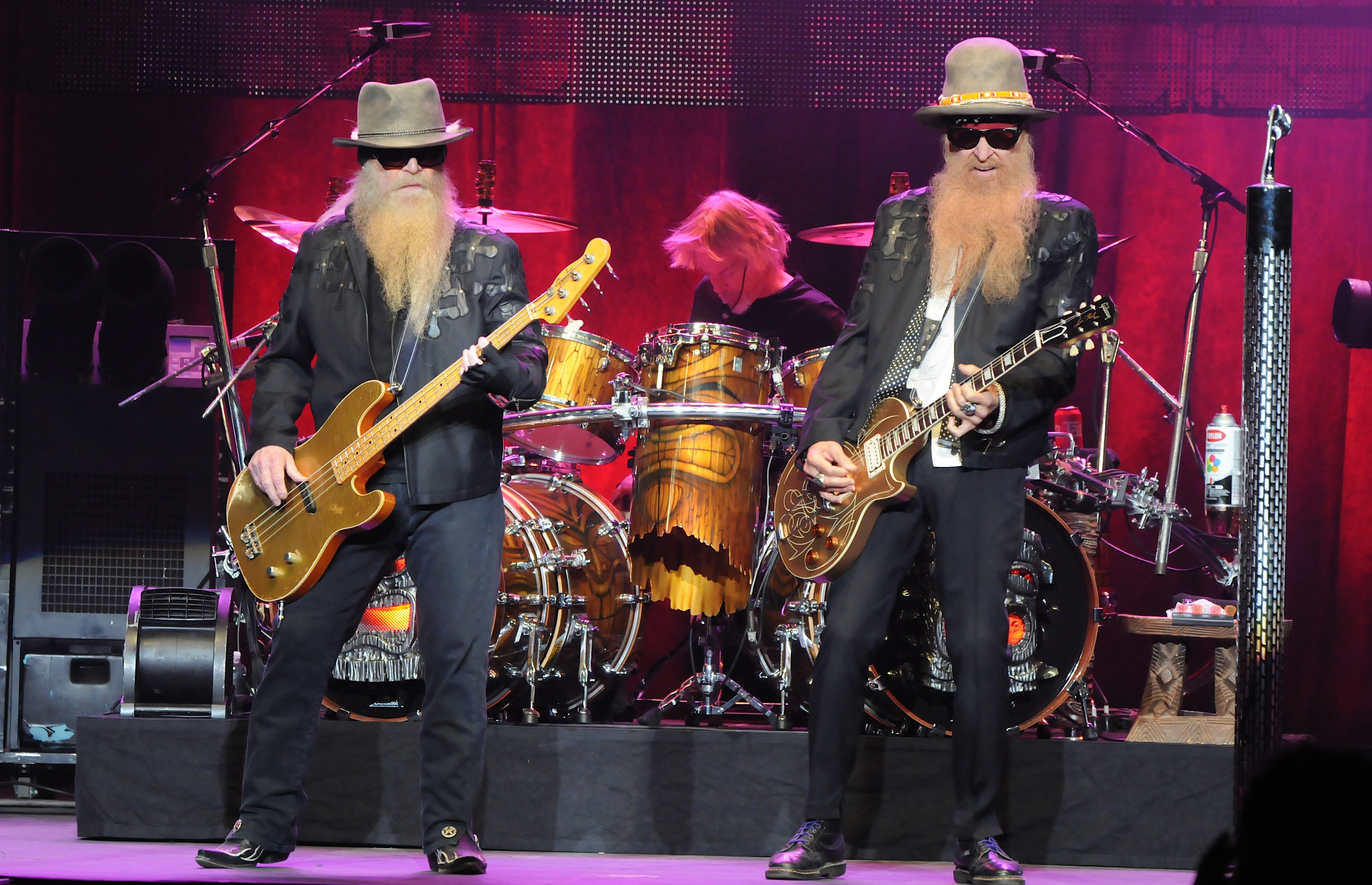 Zz Top Cancel Rest Of Tour With Jeff Beck After Bassist S Injury Rolling Stone