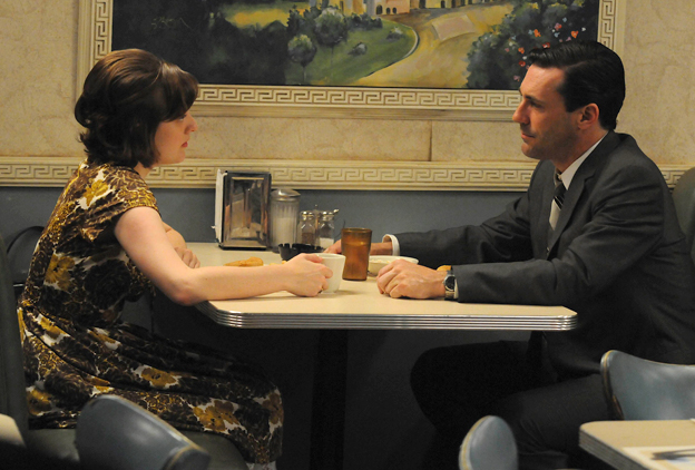 Do don draper and peggy hook up