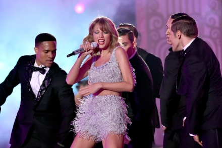 22 Things You Learn From Hanging Out With Taylor Swift – Rolling Stone