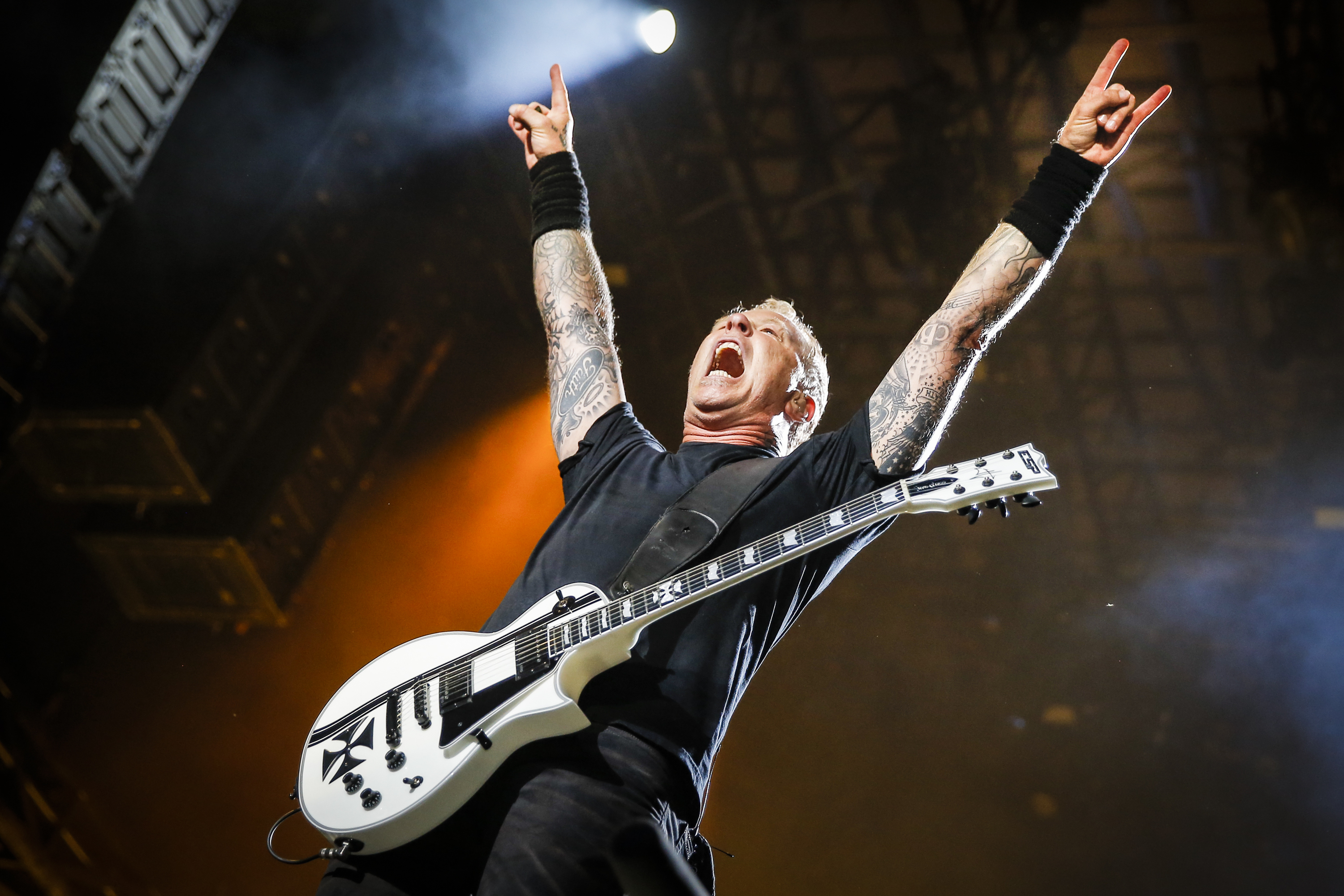 Metallica to Issue 27 Live Albums by End of 2014