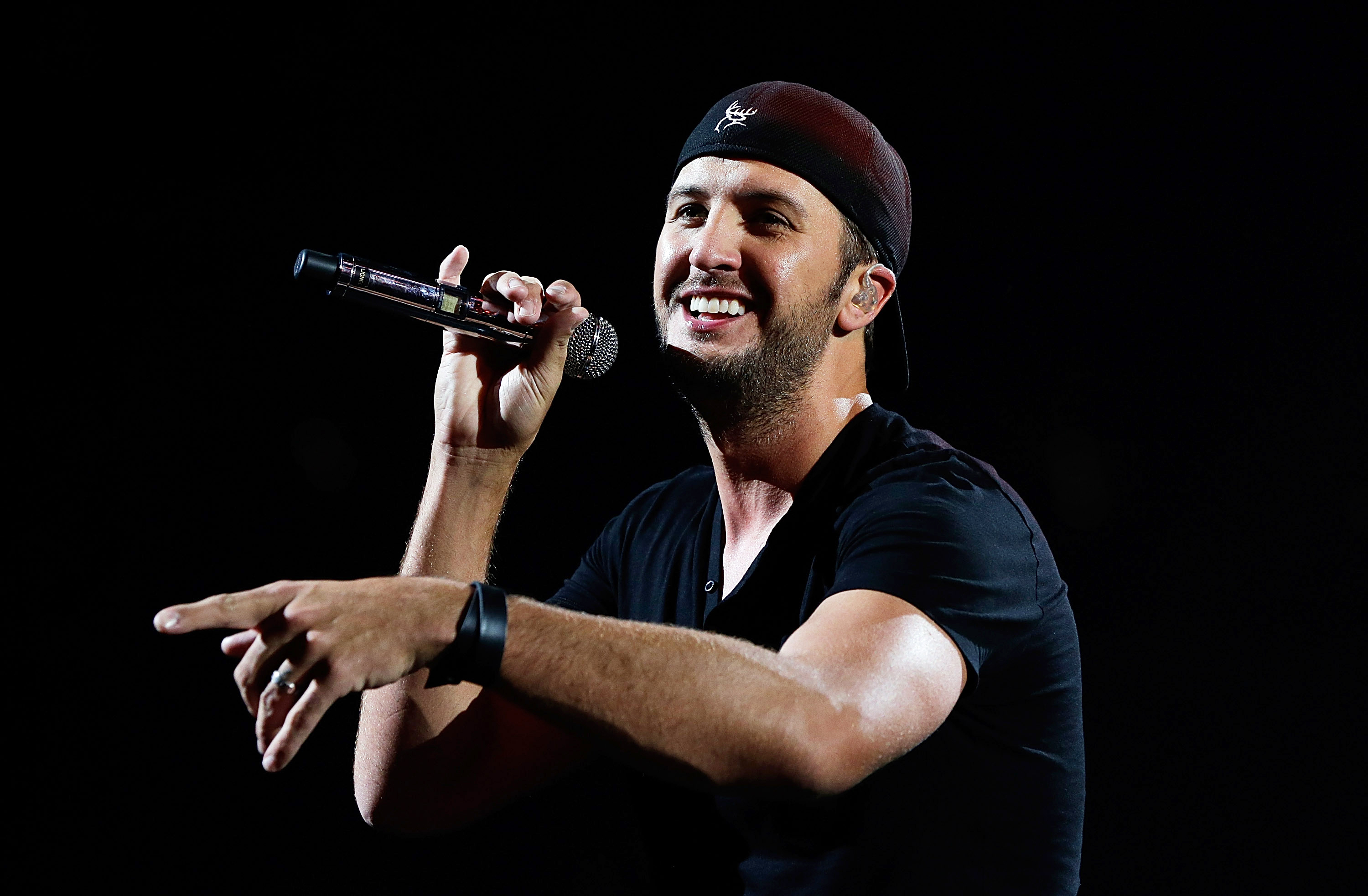 Luke Bryan Taps Special Guests for Farm Tour