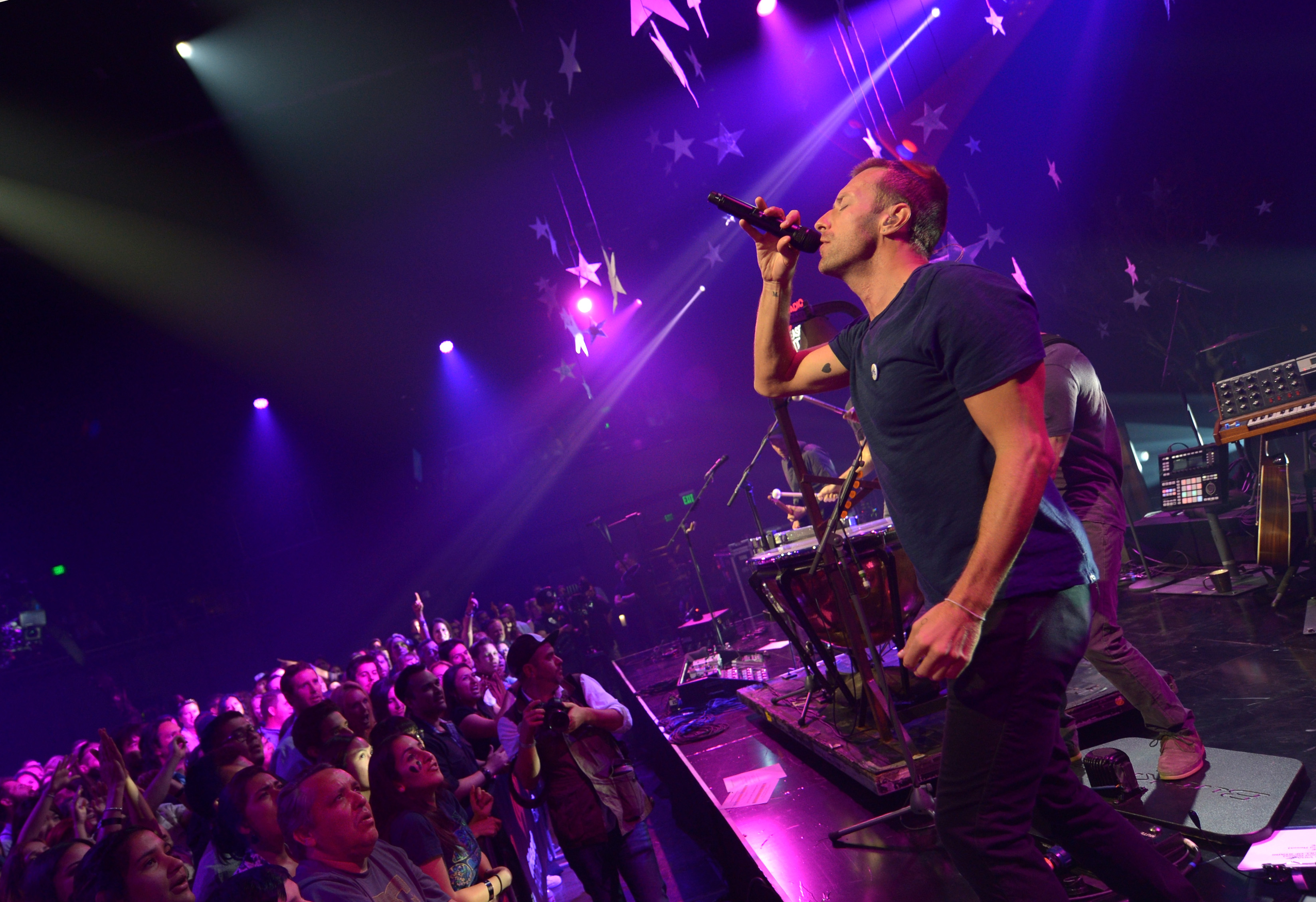 Coldplay Ready 'Ghost Stories Live 2014' Set With Eight Music Videos