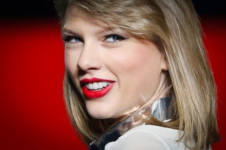 Can Taylor Swift's '1989' Save Ailing Music Industry
