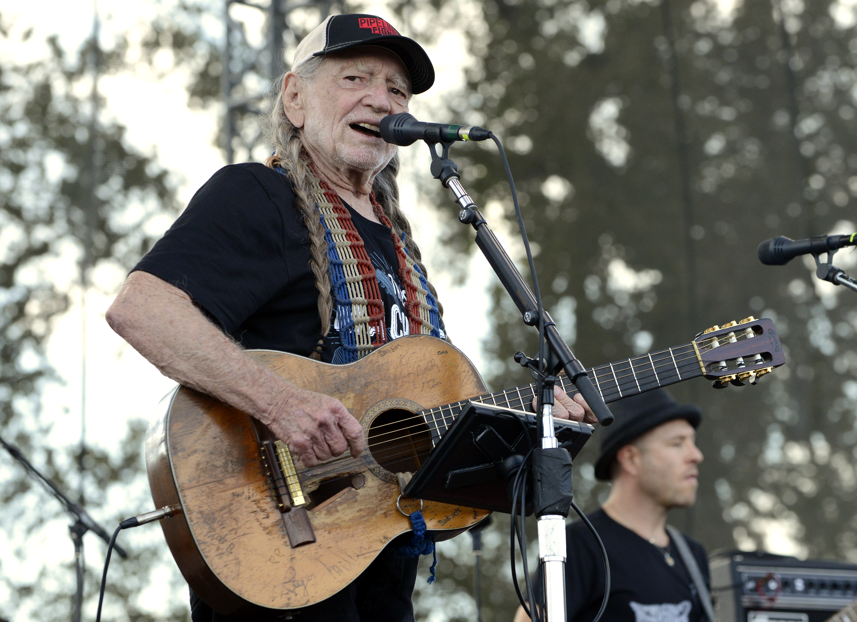 Willie Nelson to Host New TV Show 'Inside Arlyn'