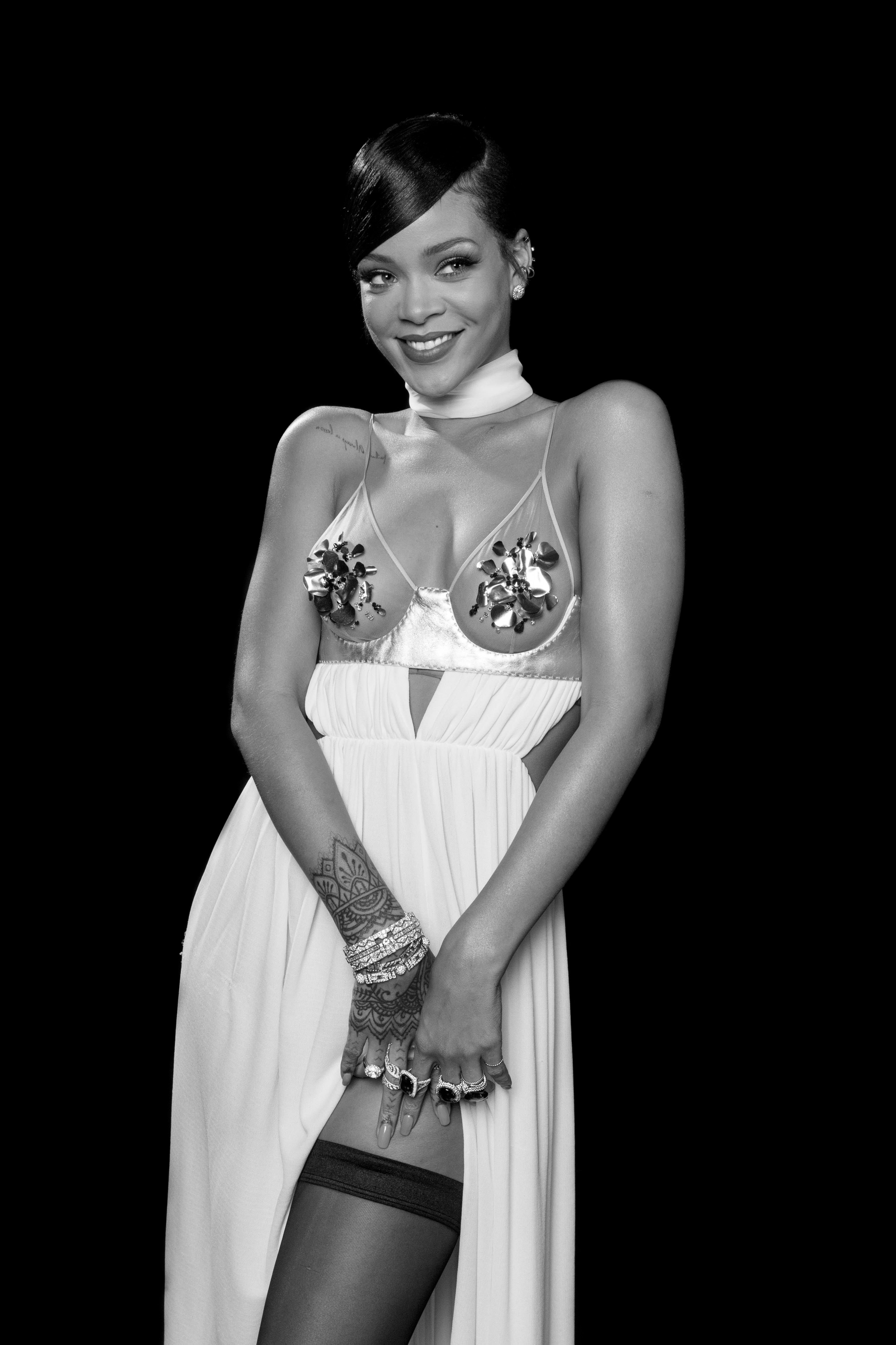 Rihanna to Perform With Orchestra at Diamond Ball Charity Event