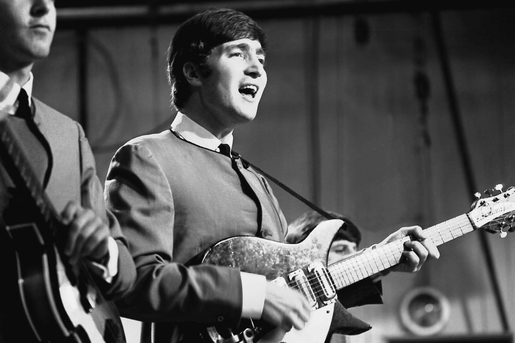 Parts Of John Lennon S Guitar Could Fetch 63 000 At Auction Rolling Stone