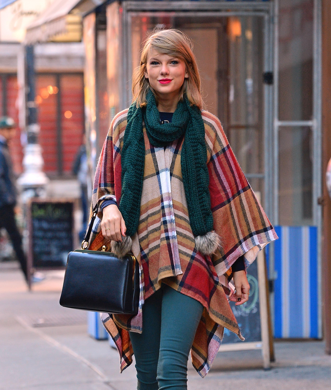 On the Charts: Taylor Swift's '1989' Hits 2 Million Mark