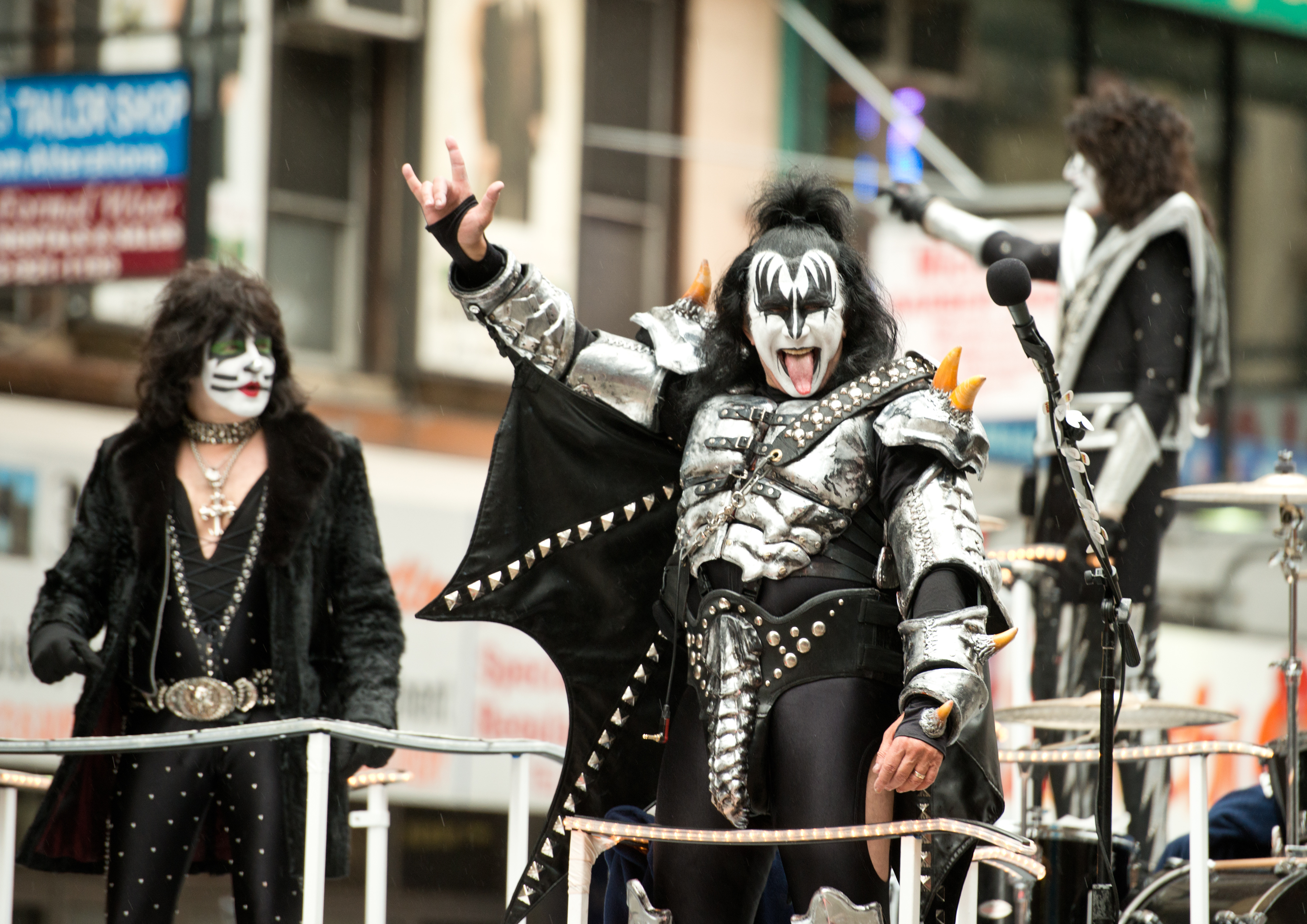 Paul Stanley Says Kiss 'Screwed Over' by Thanksgiving Day Parade