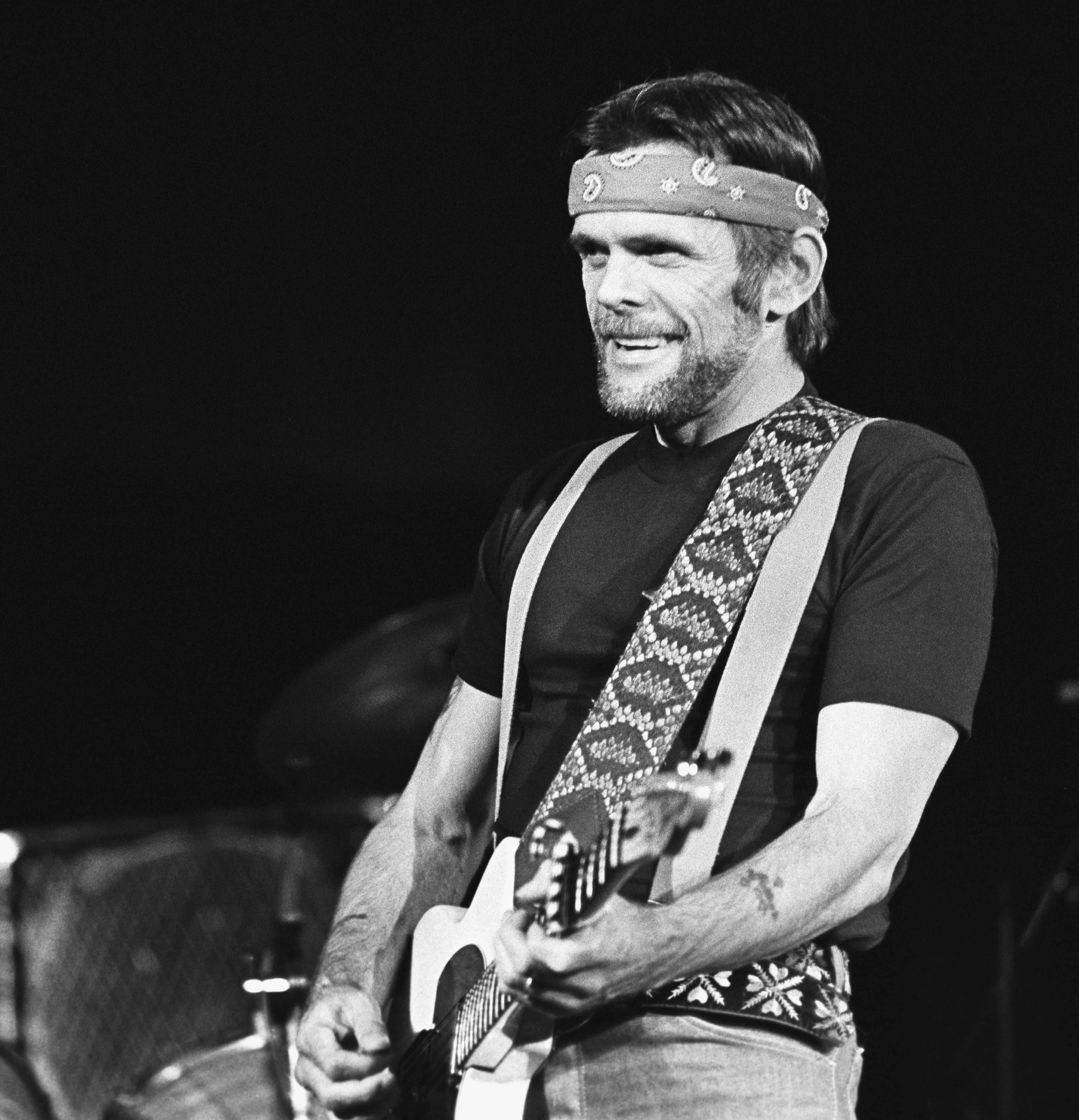 Flashback Johnny Paycheck Shoots Man In Ohio Bar Rolling Stone