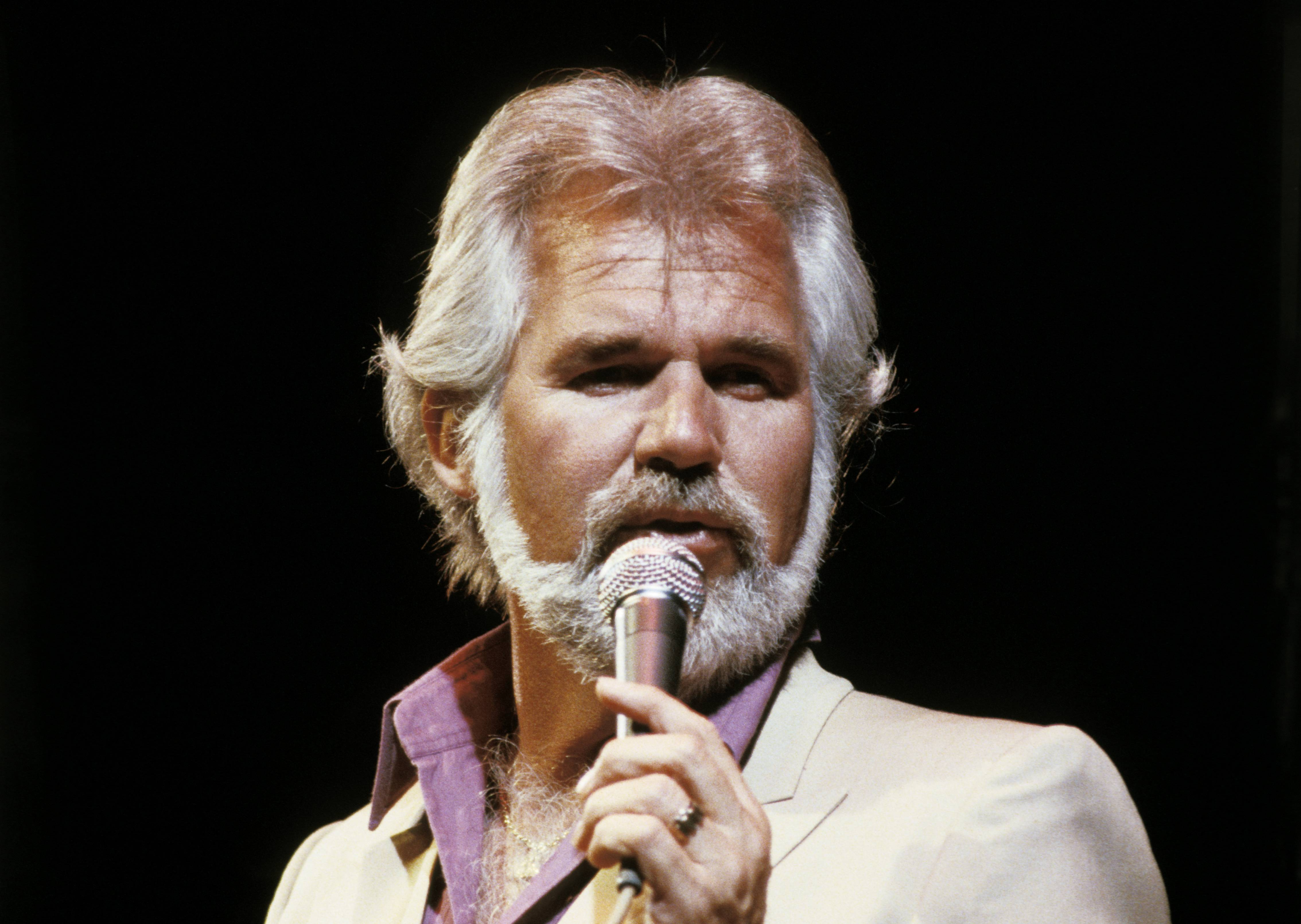 Flashback: Kenny Rogers Scores Number One With Brave 'Coward'