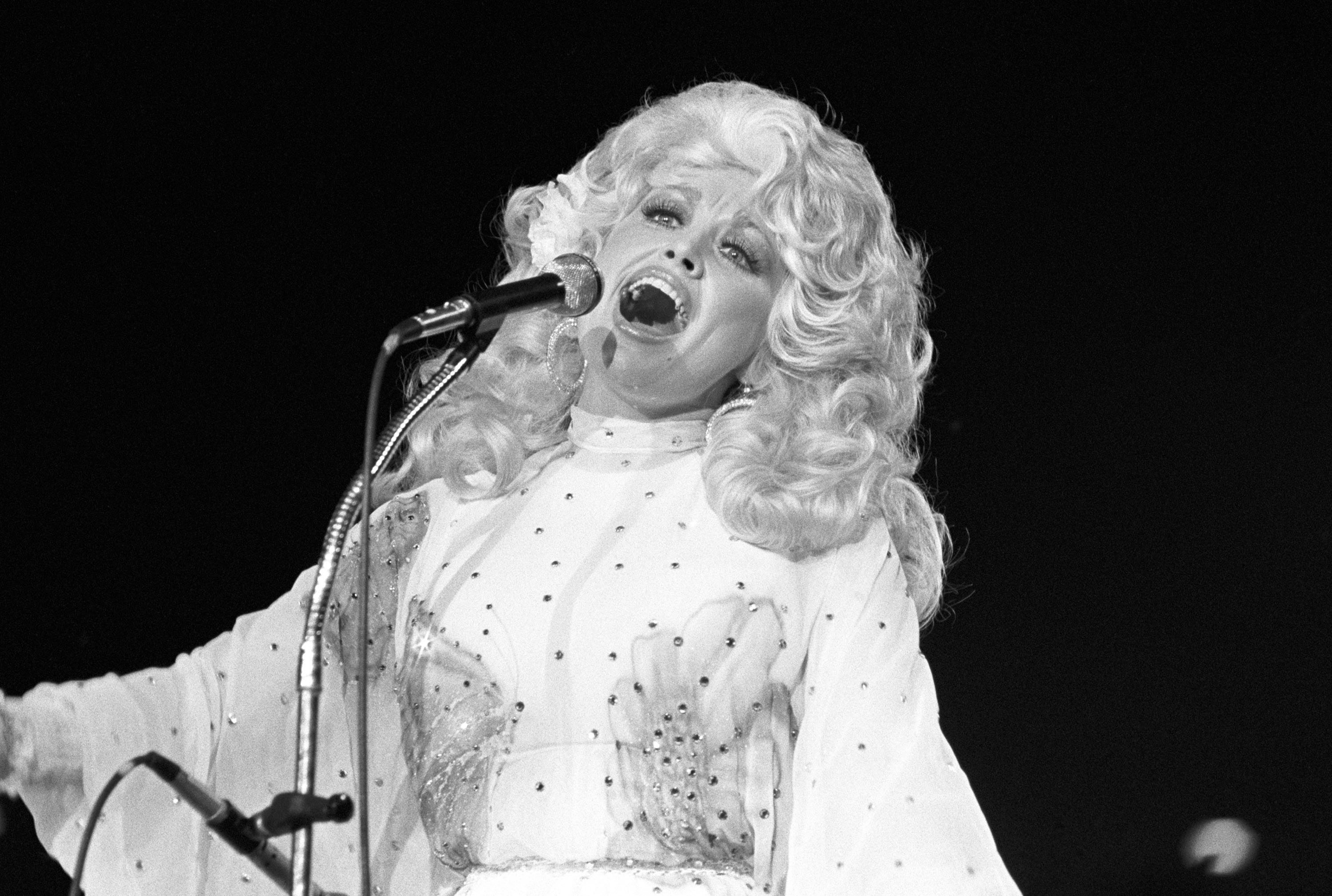 164239cc9670b Interview: Dolly Parton – Rolling Stone
