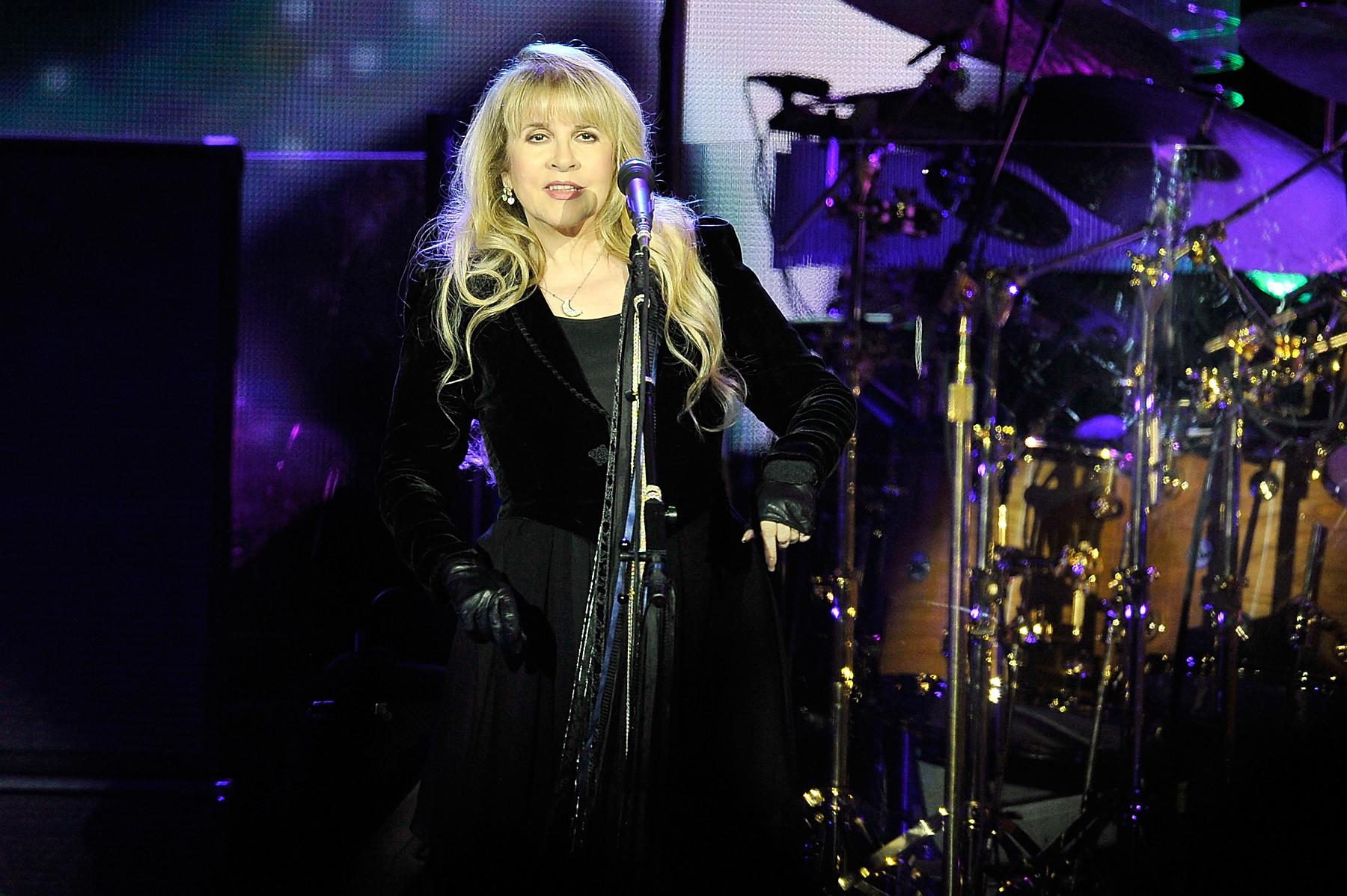 Stevie Nicks Spills 'American Horror Story' Secrets
