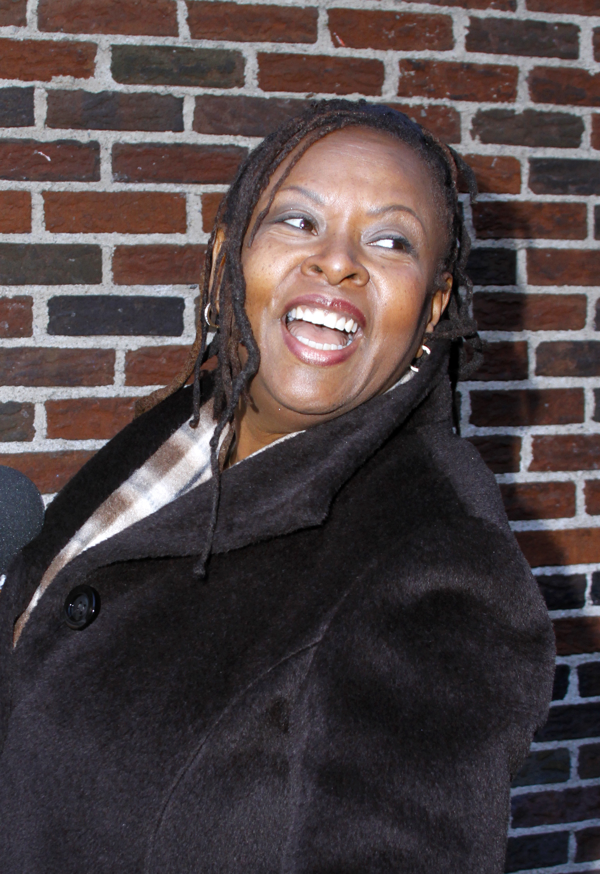 b66a44fab86 How Howard Stern s Sidekick Robin Quivers Beat Cancer and Found the ...