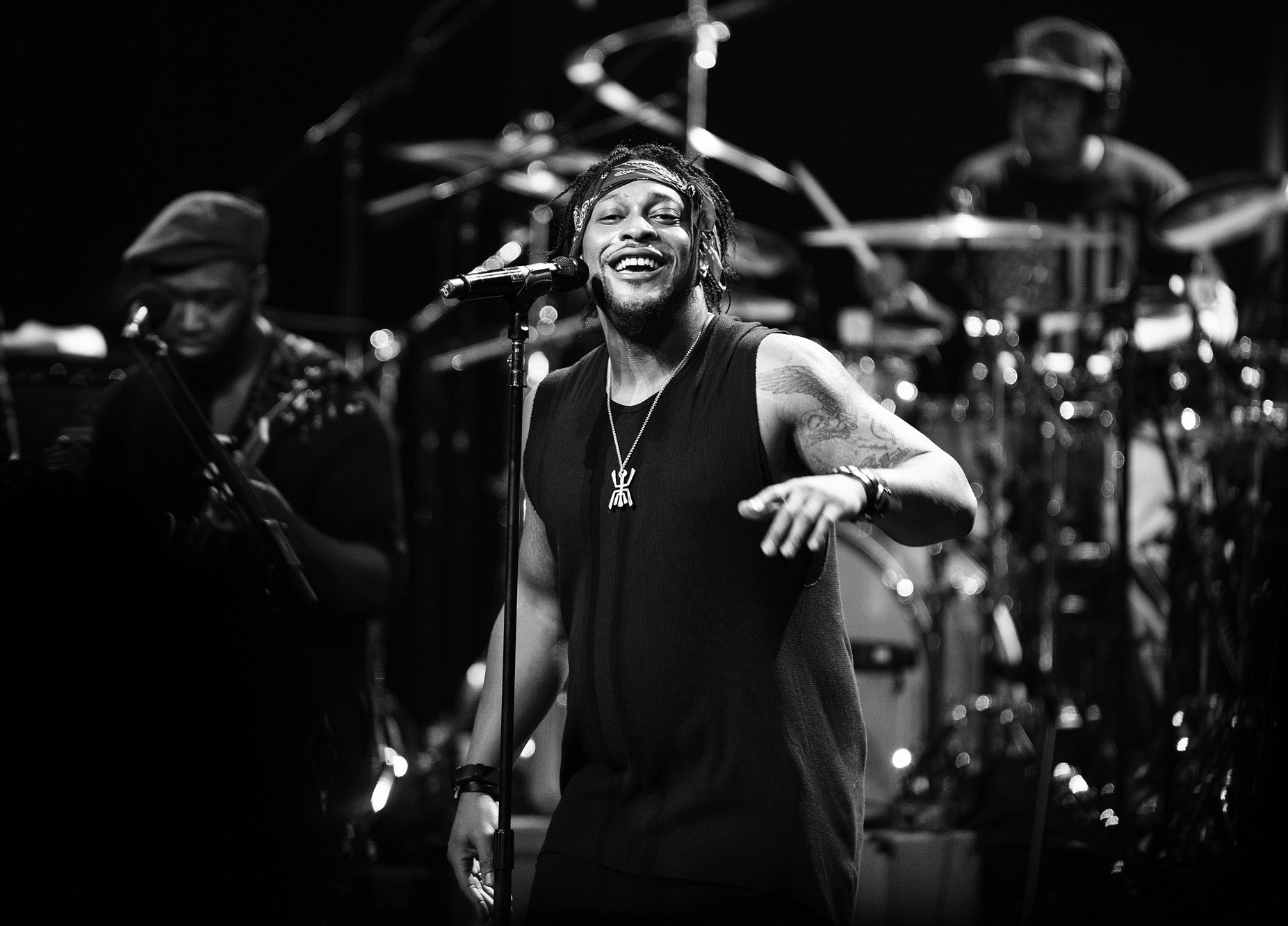 Dangelo Finds Redemption At Stunning Apollo Theater Show Rolling