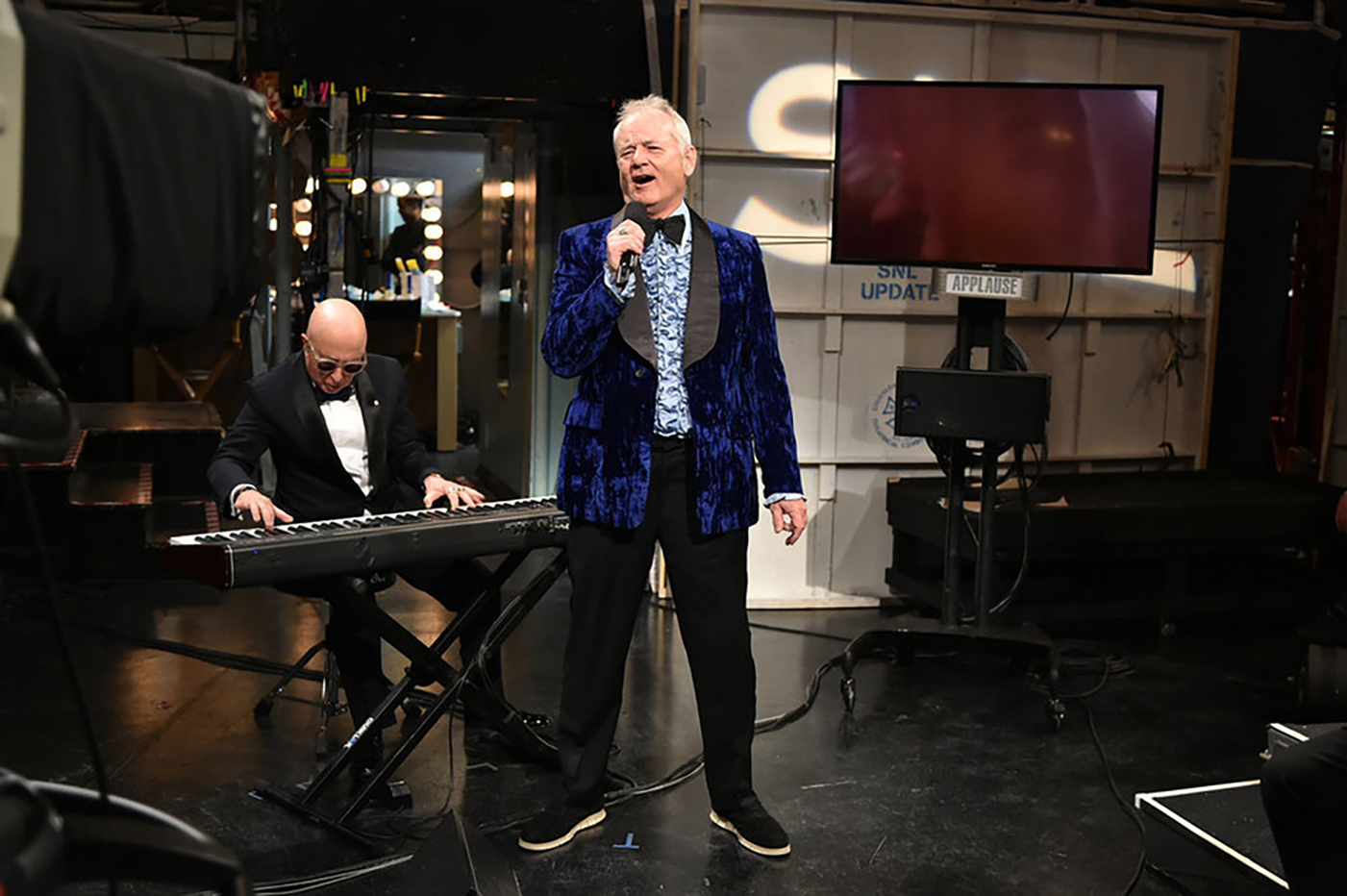 Watch Bill Murray Sing the 'Jaws' Theme on 'SNL 40