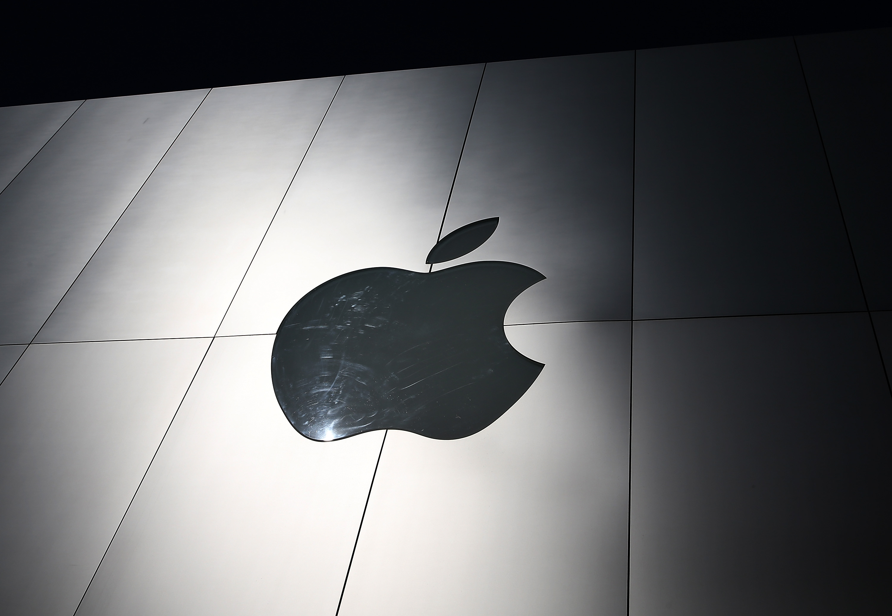Apple Must Pay $533 Million for Patent Infringement, Judge Says