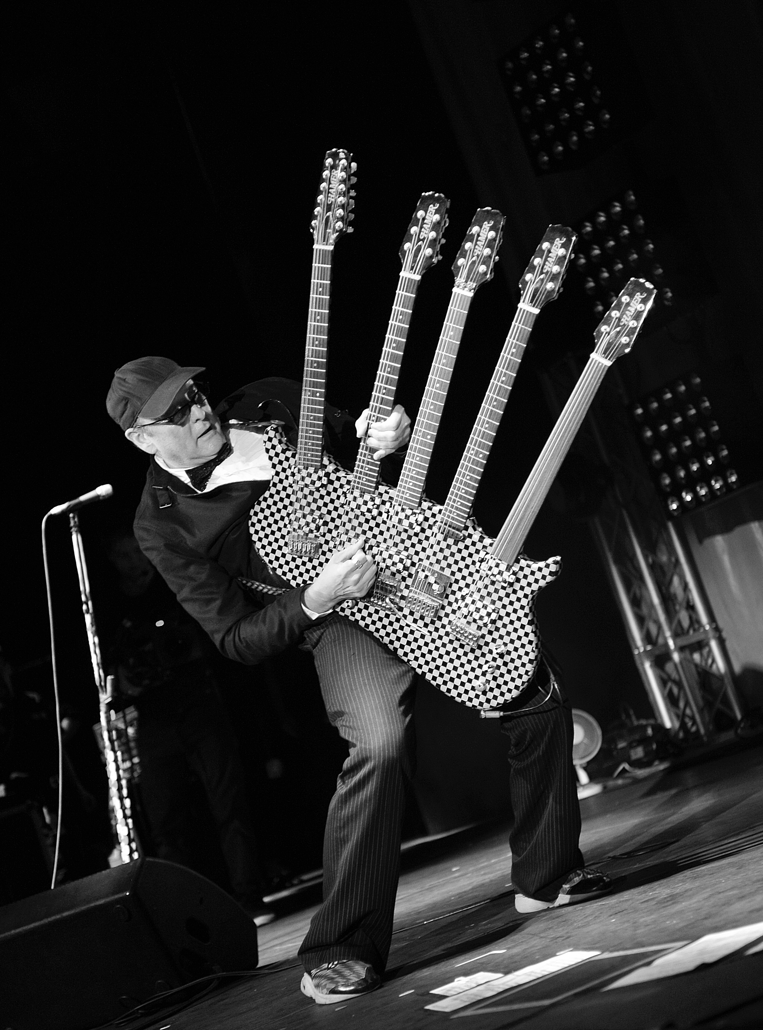 Cheap Tricks Rick Nielsen Auctioning Off His Guitars Rolling Stone