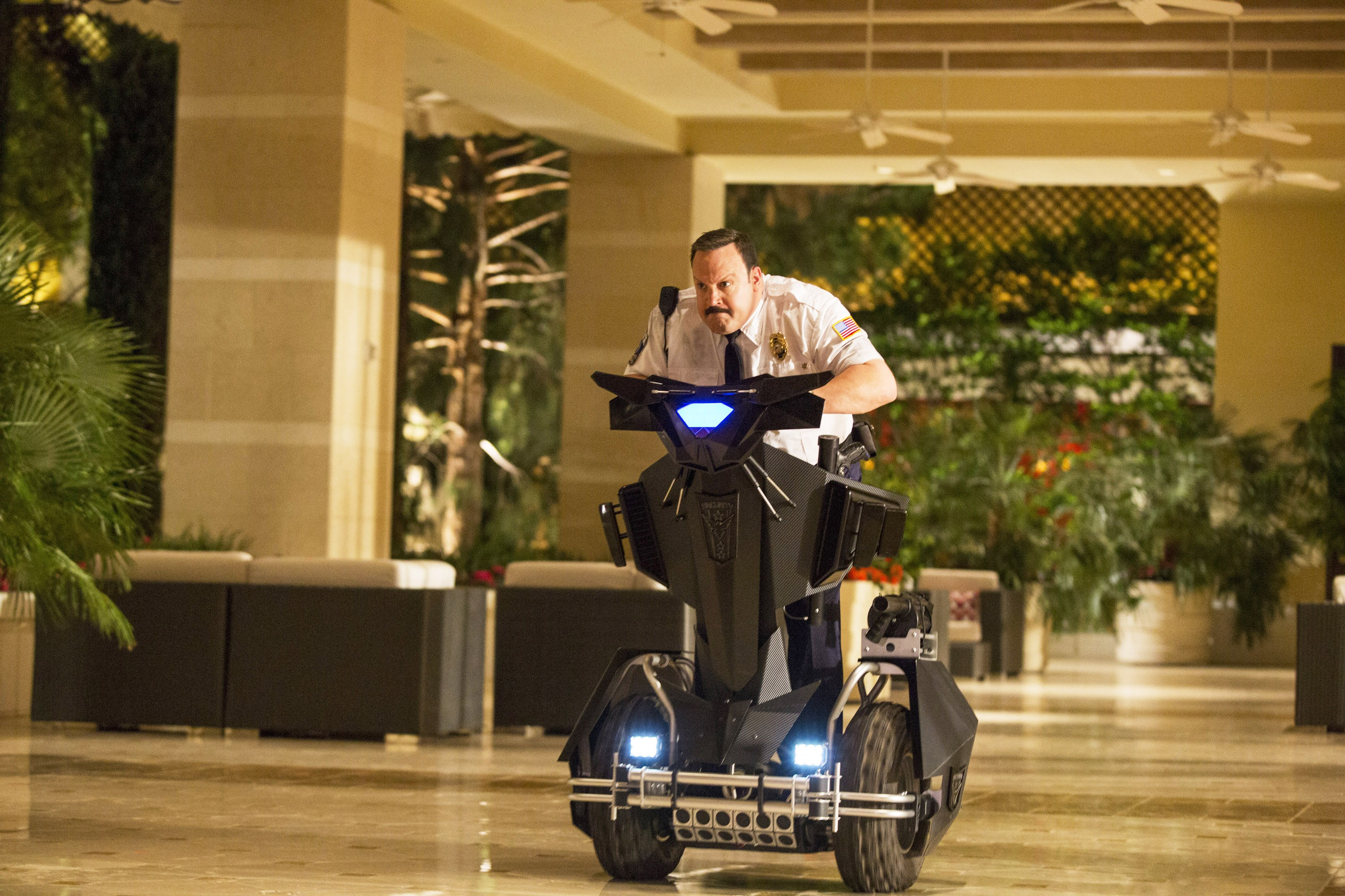 shop drop and roll a real mall cop takes on paul blart rolling