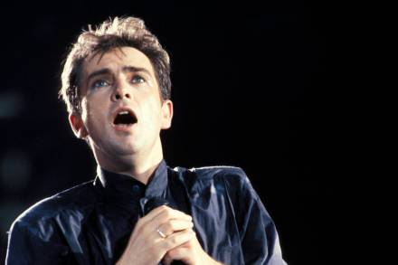 Rolling Stone cover story features Peter Gabriel – Rolling Stone
