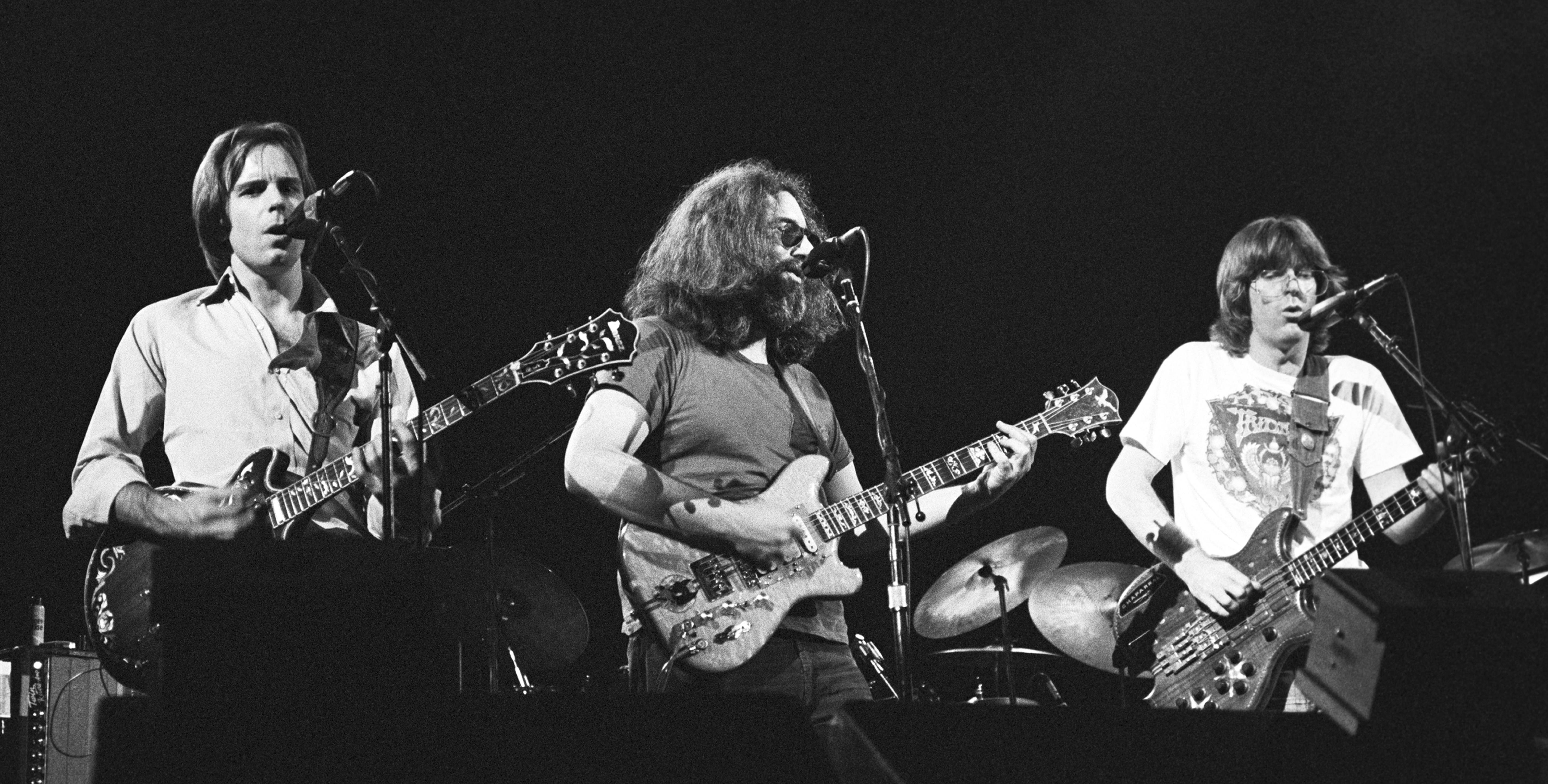 11 Greatest Guest Jams at Grateful Dead Concerts