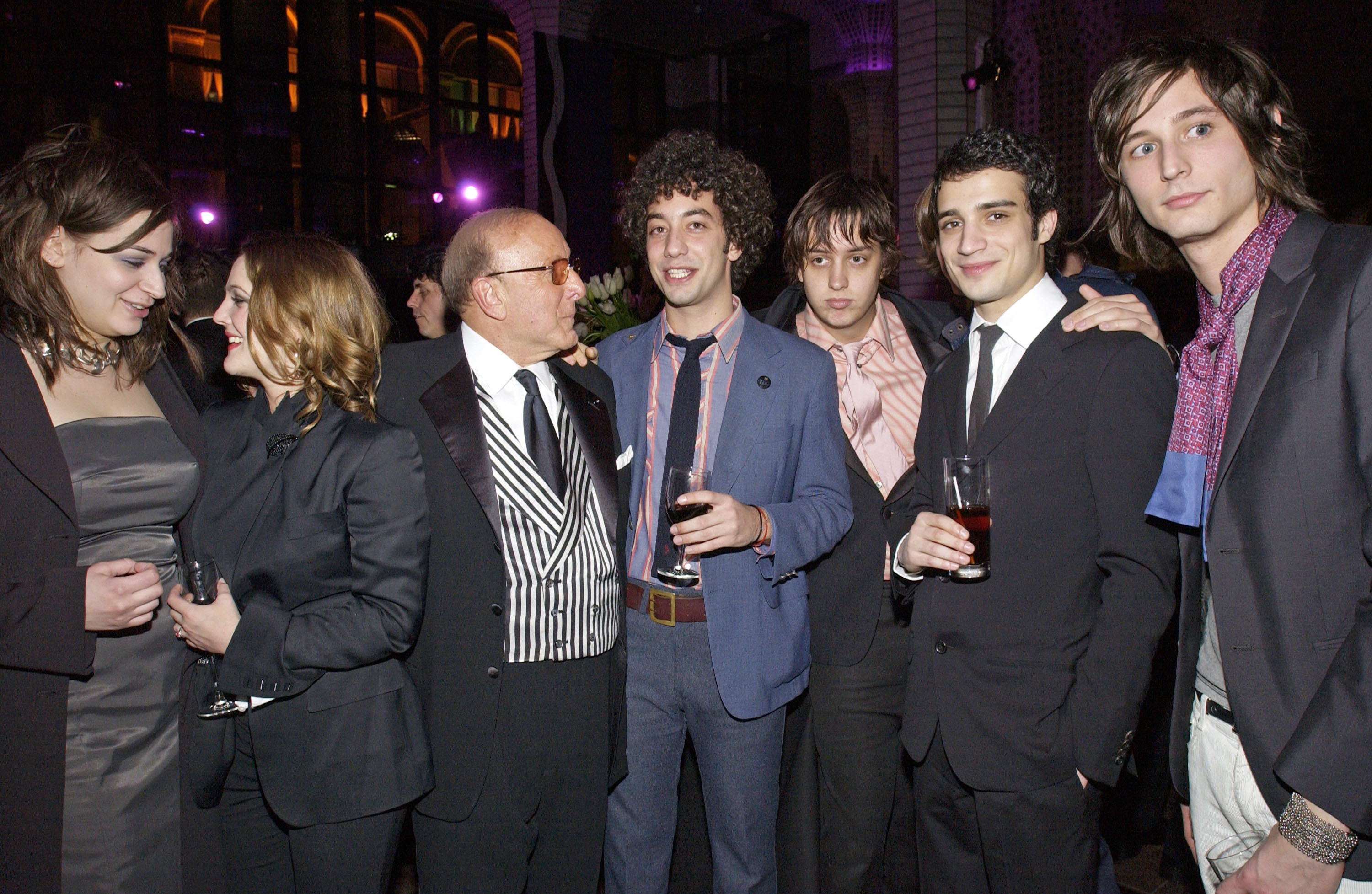 The strokes hits singles dating