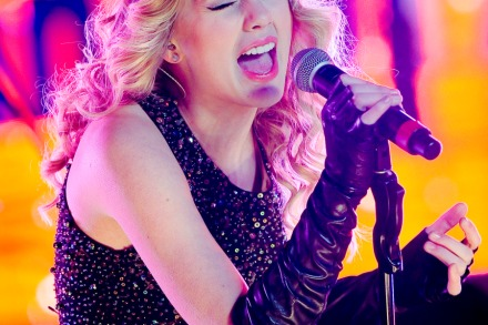 The Very Pink, Very Perfect Life of Taylor Swift – Rolling Stone