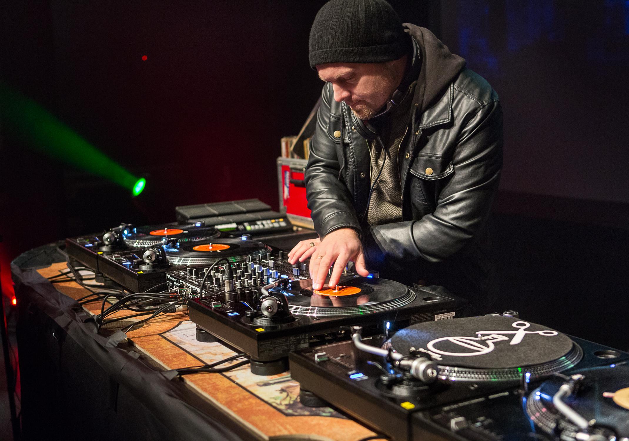 DJ Shadow Drops 'Heavy' 'Nice Nightmares' as Nite School Klik