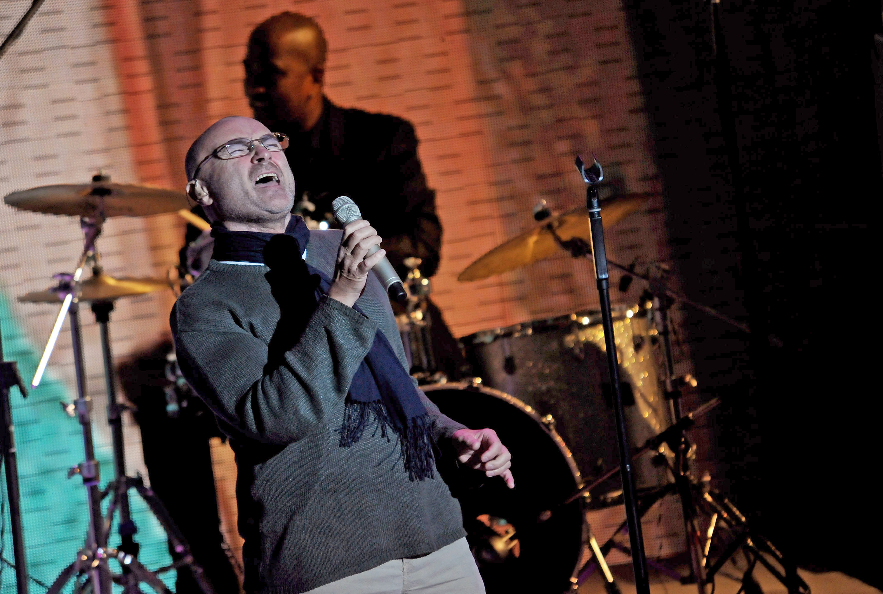 Phil Collins' Last Stand: Why the Troubled Pop Star Wants to Call It Quits