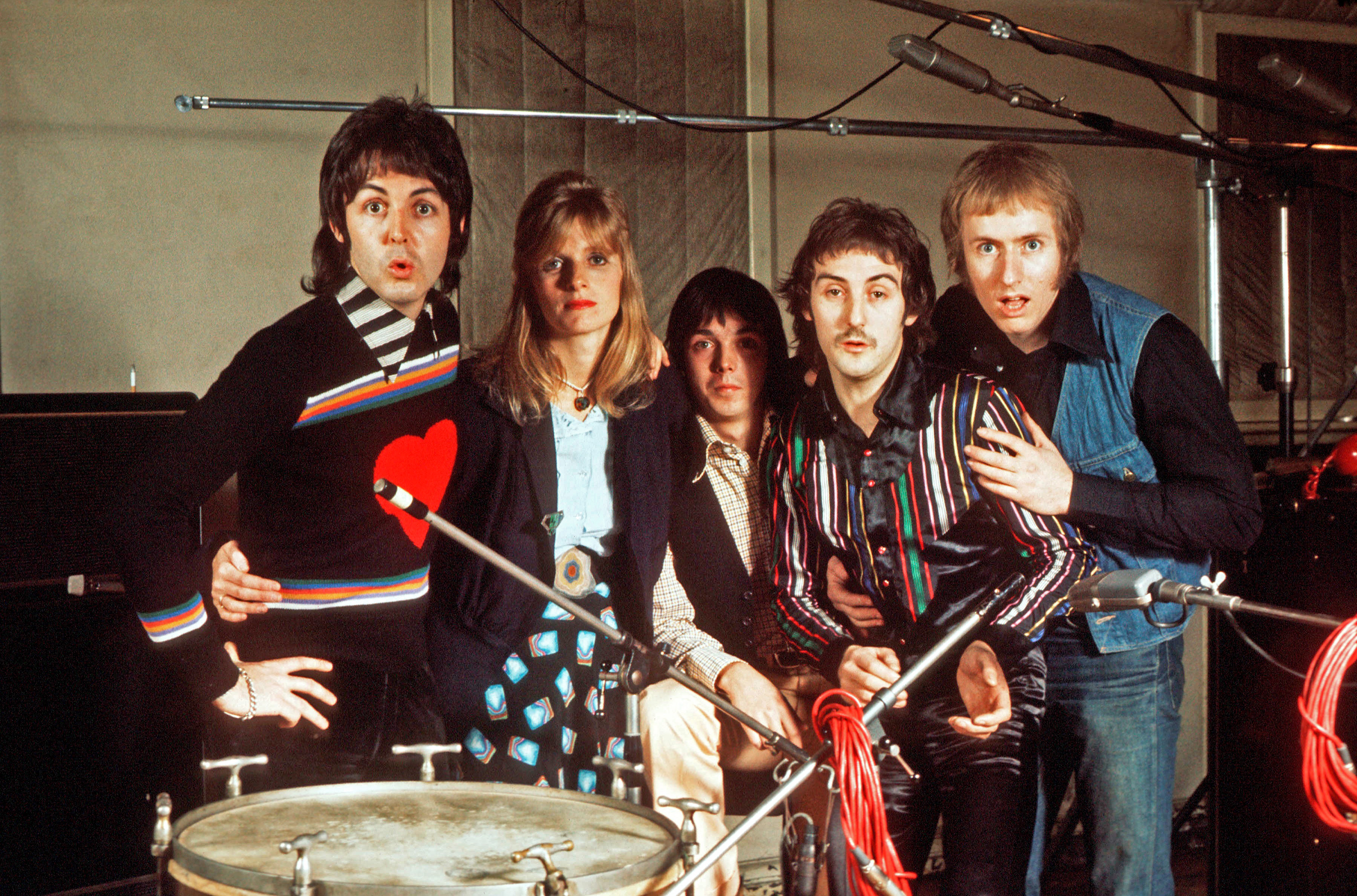 Wings Paul McCartney Linda Jimmy McCulloch Denny Laine Geoff Britton